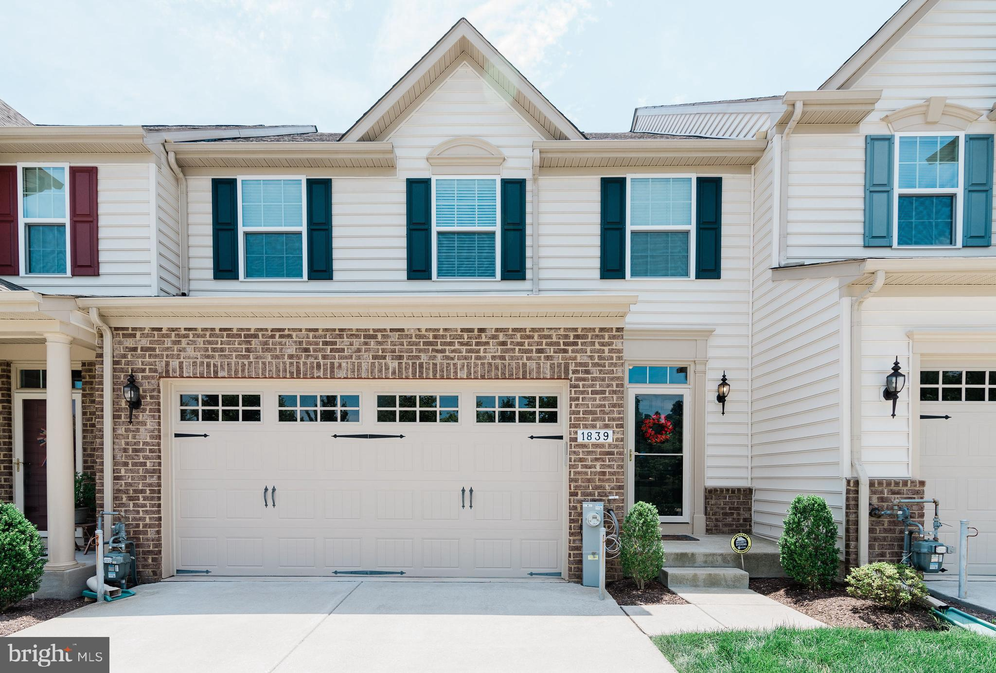 Gorgeous 3 bedroom, 2 full/2 half bath villa in Fallston Commons, a 55+ adult community with great a