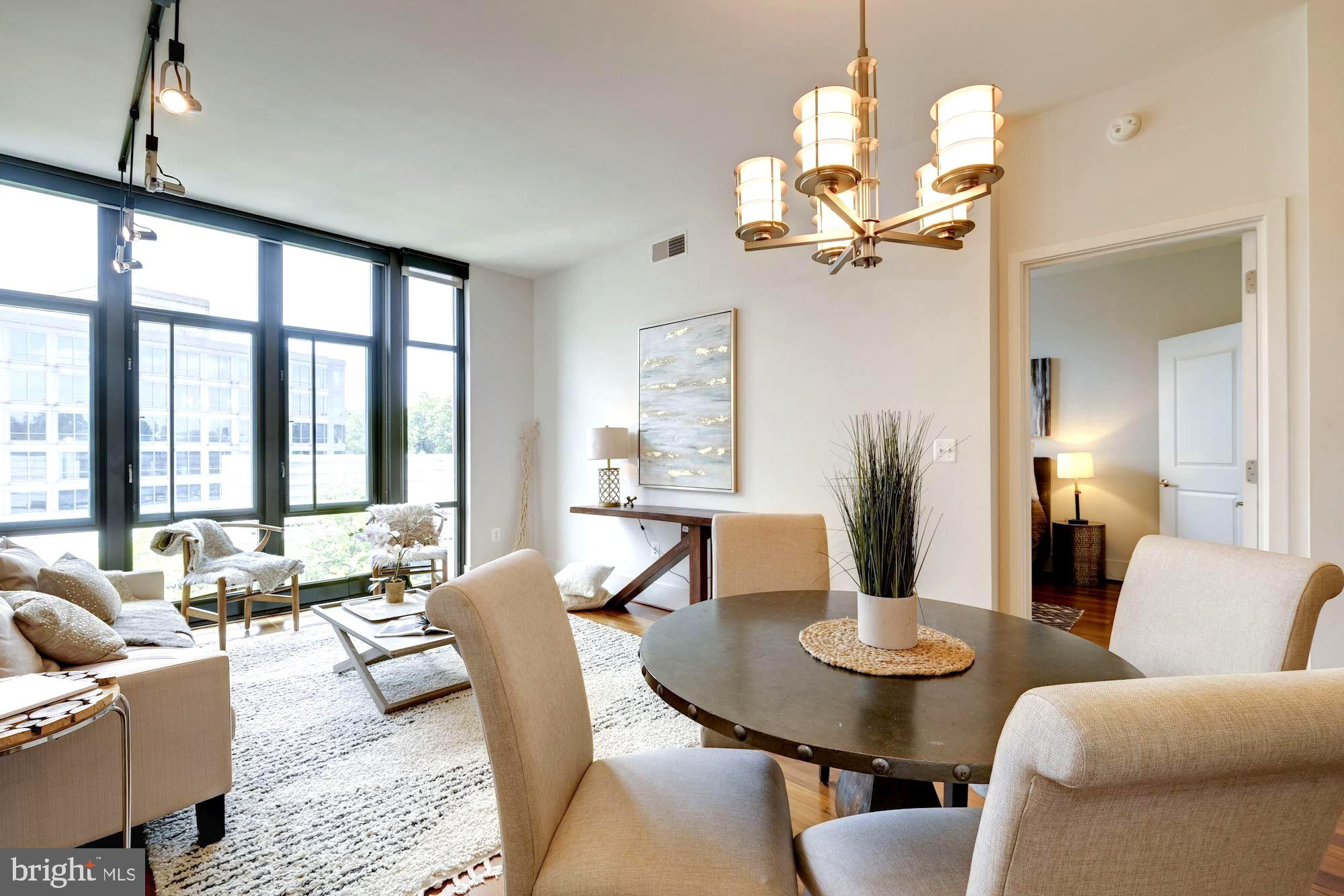 Situated high on the sixth floor, this elegant residence is made up of two bedrooms and two bathroom