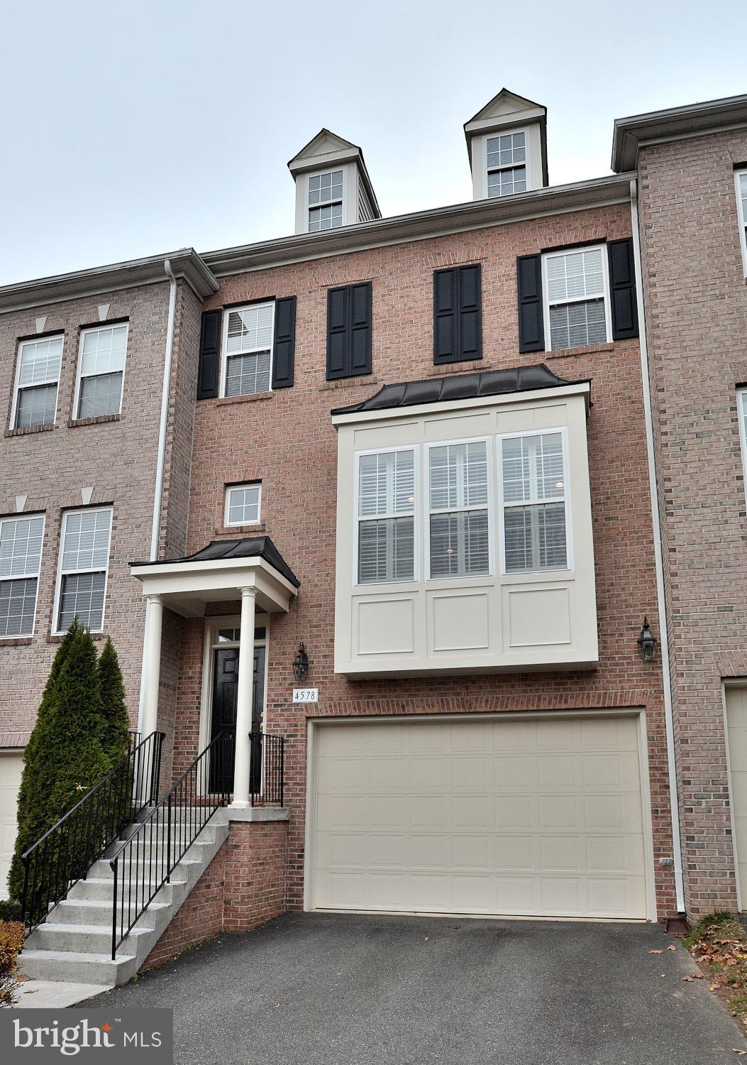 Great location!  Sought-after Fair Chase community.  Gorgeous townhouse with gourmet kitchen with gr
