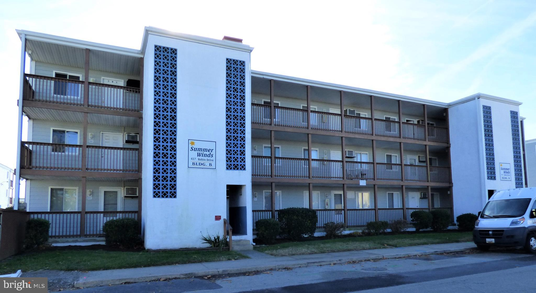 Great investment or vacation home in the popular Summer Winds B building.  1st floor, North end unit