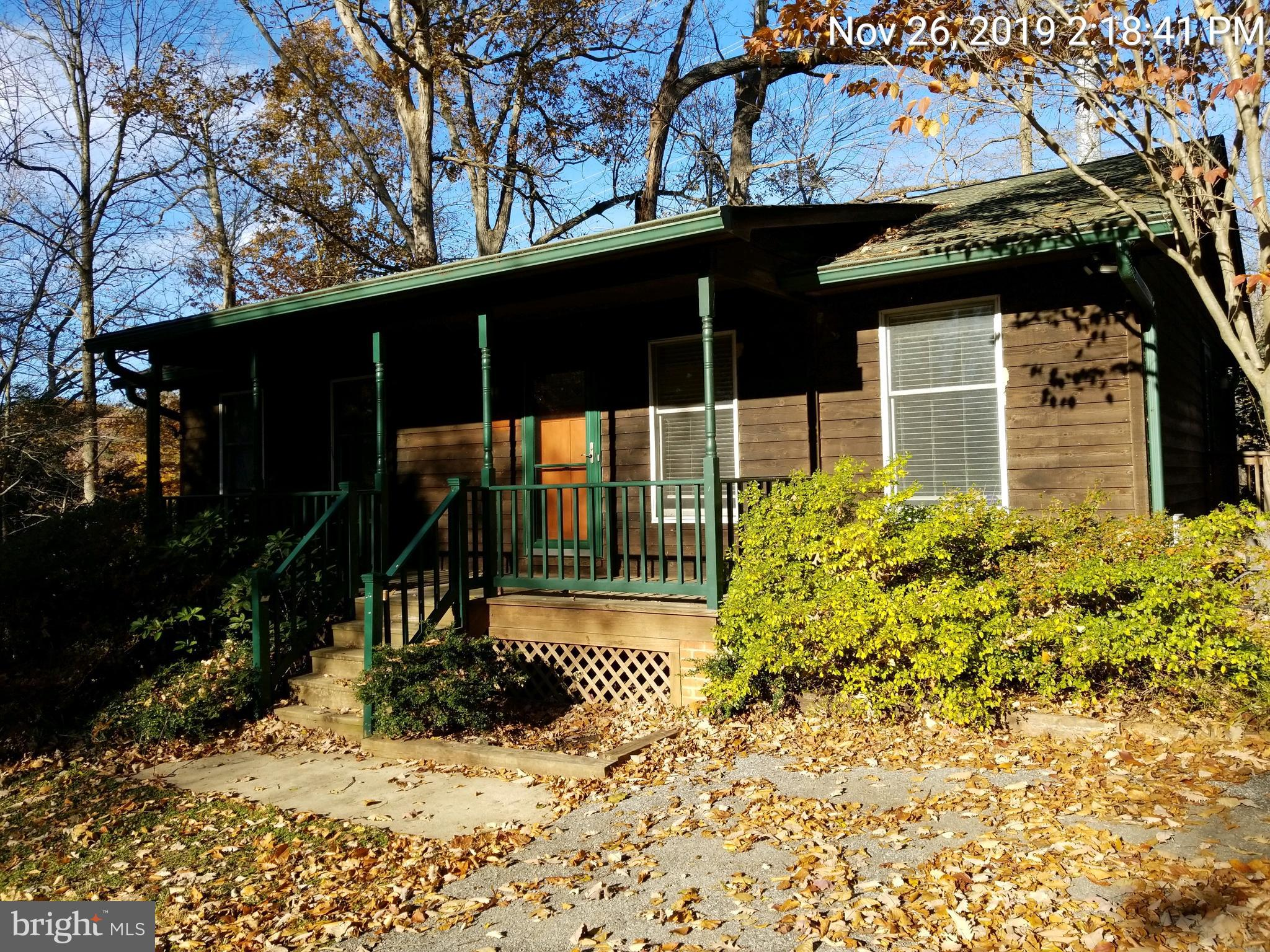 RAMBLER WITH 3BR 2 BA FINISHED BASEMENT.  CLOSE TO SCHOOLS, SHOPPING AND RESTAURANTS.  SOLD AS IS!