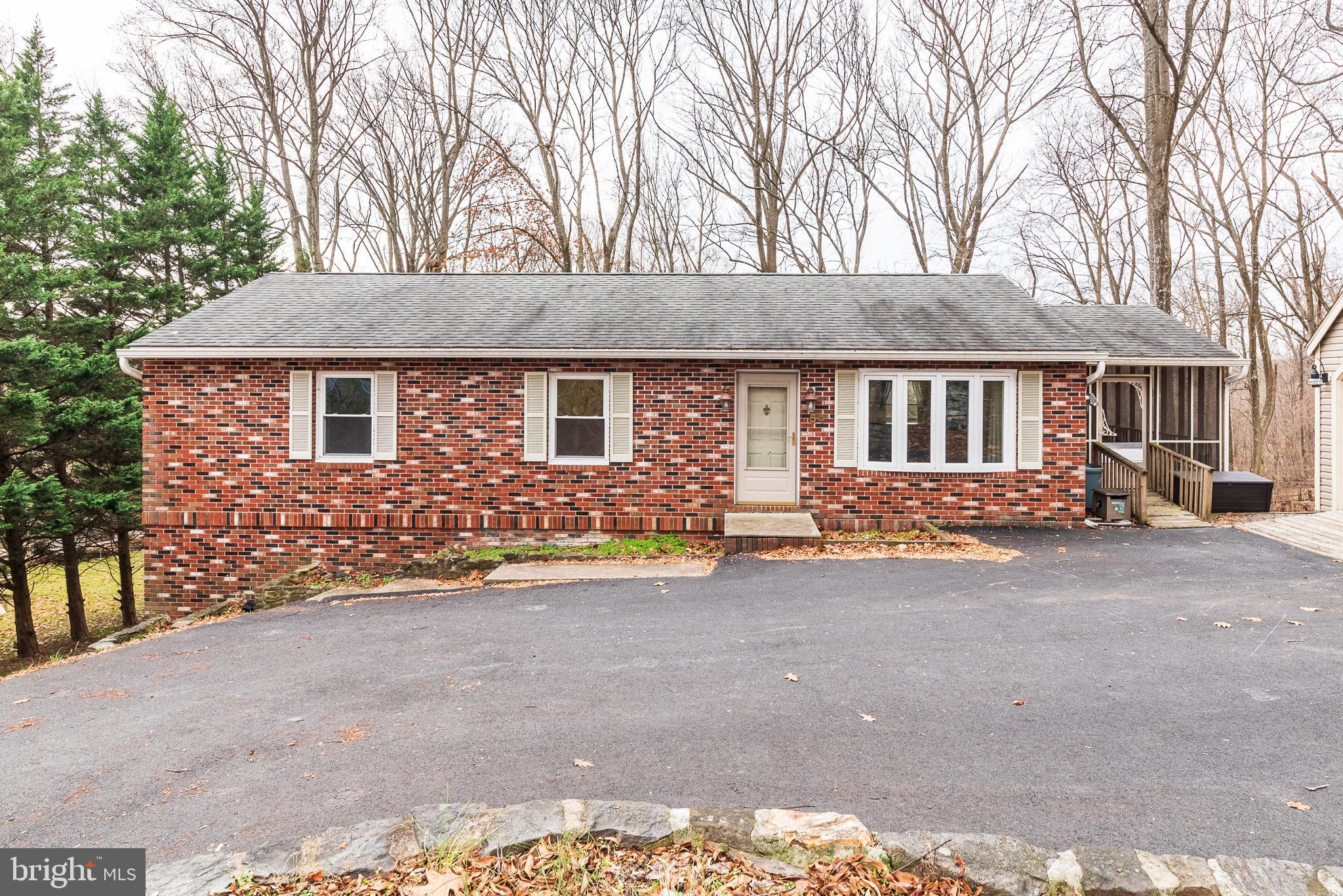 Lovely 3 bedroom/2 bathroom rancher in a quite neighborhood but near Route One for easy access to ne