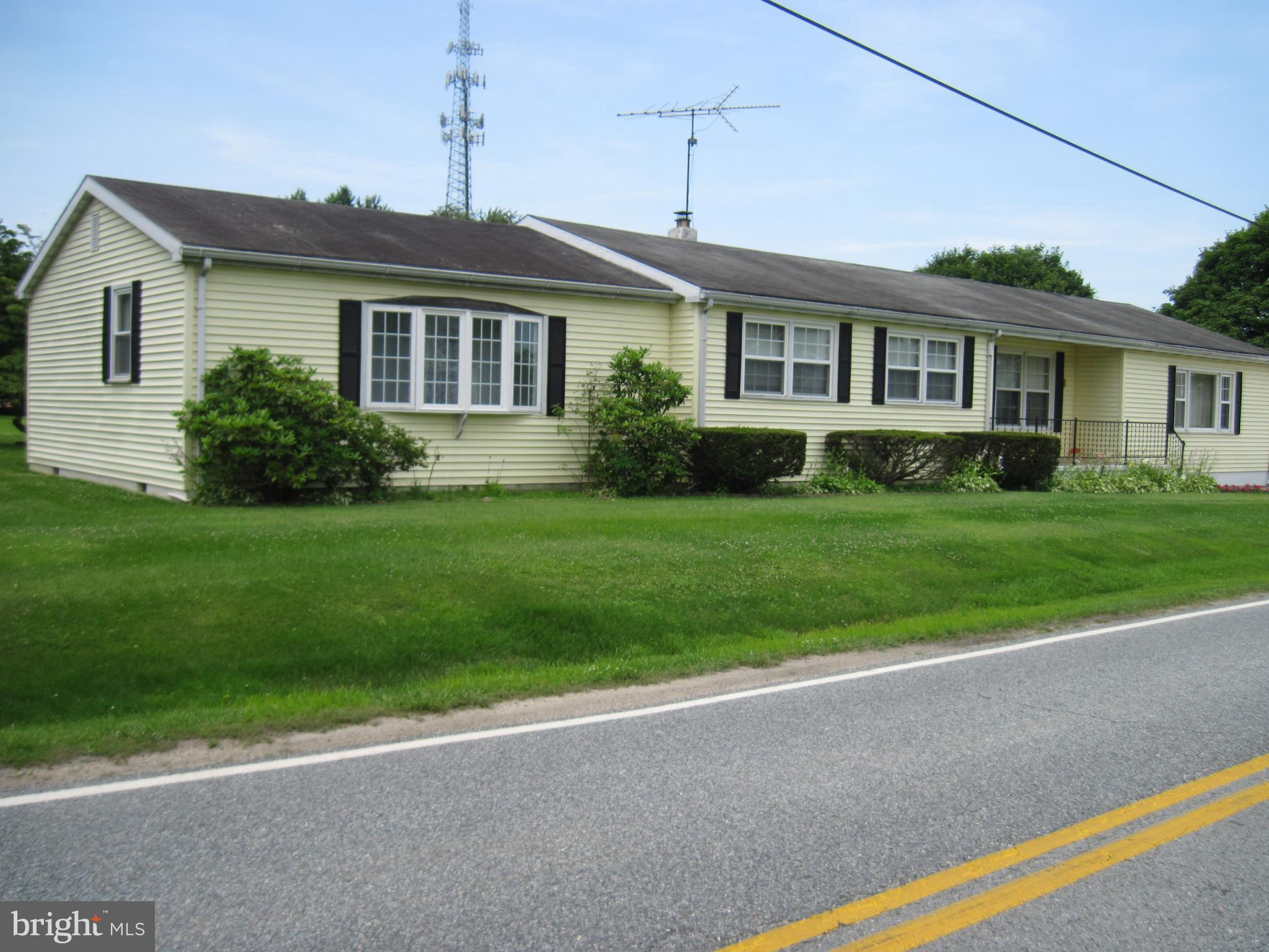 Well maintained ranch on a quiet street in small town of Warwick. Huge family room and master suite
