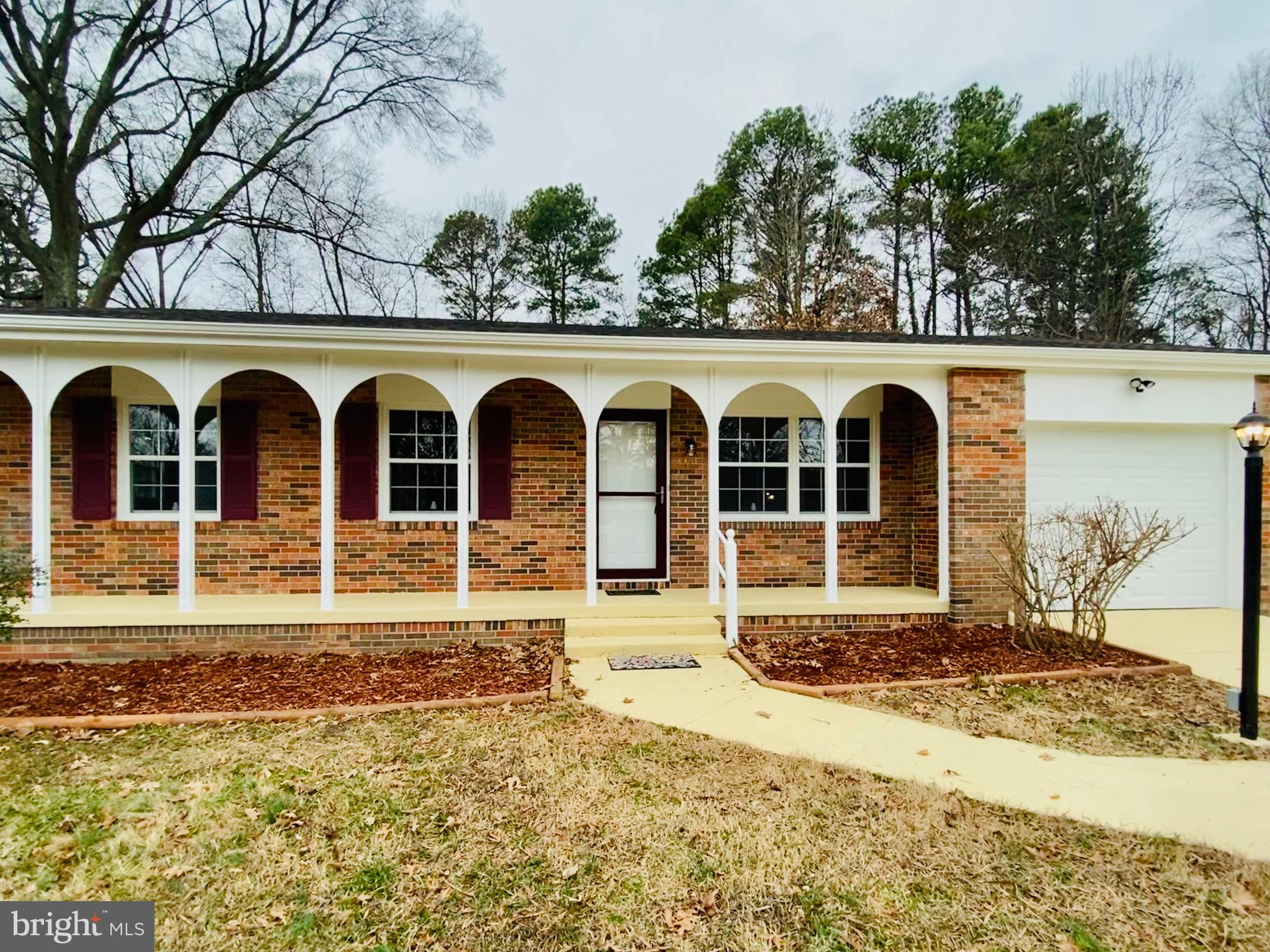 Beautiful renovated  3 bedrooms 2 bathrooms 1 car garage new stainless steel appliances, granite cou