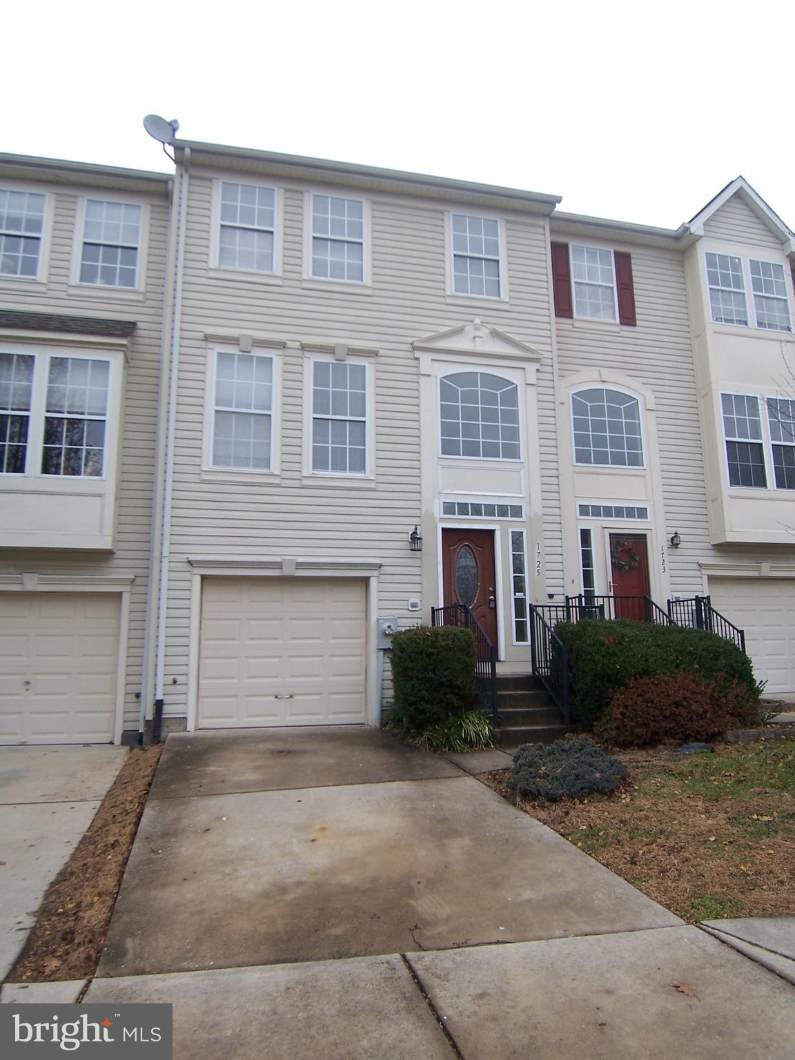 WOW! Check out this recently updated 3 bedroom, 2 full, 2 half bath home! NEW carpet and paint throu