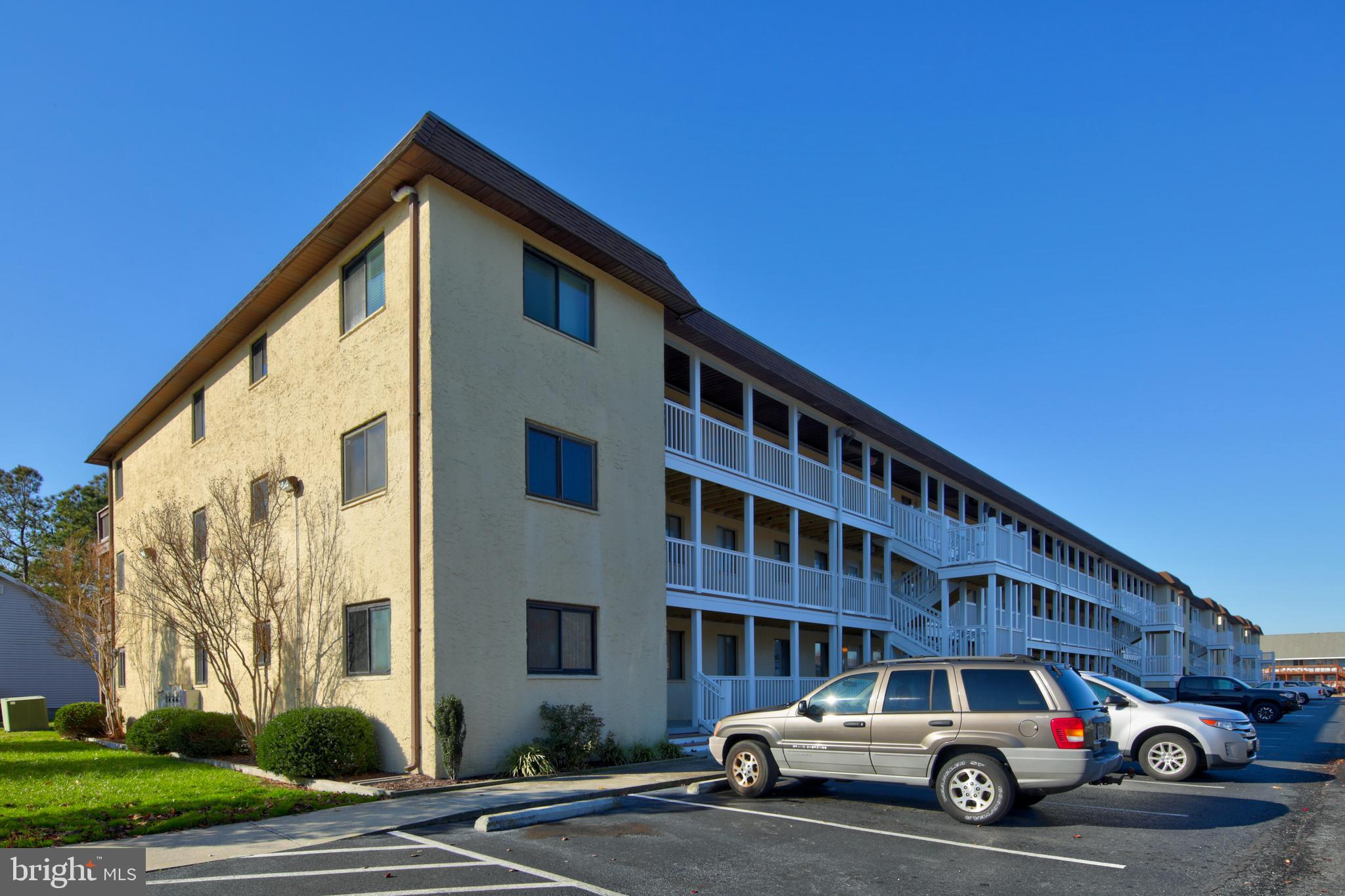 If you want a fresh & condo in Ocean City, well this is it. Features include updated 2 bedrooms, 2 f