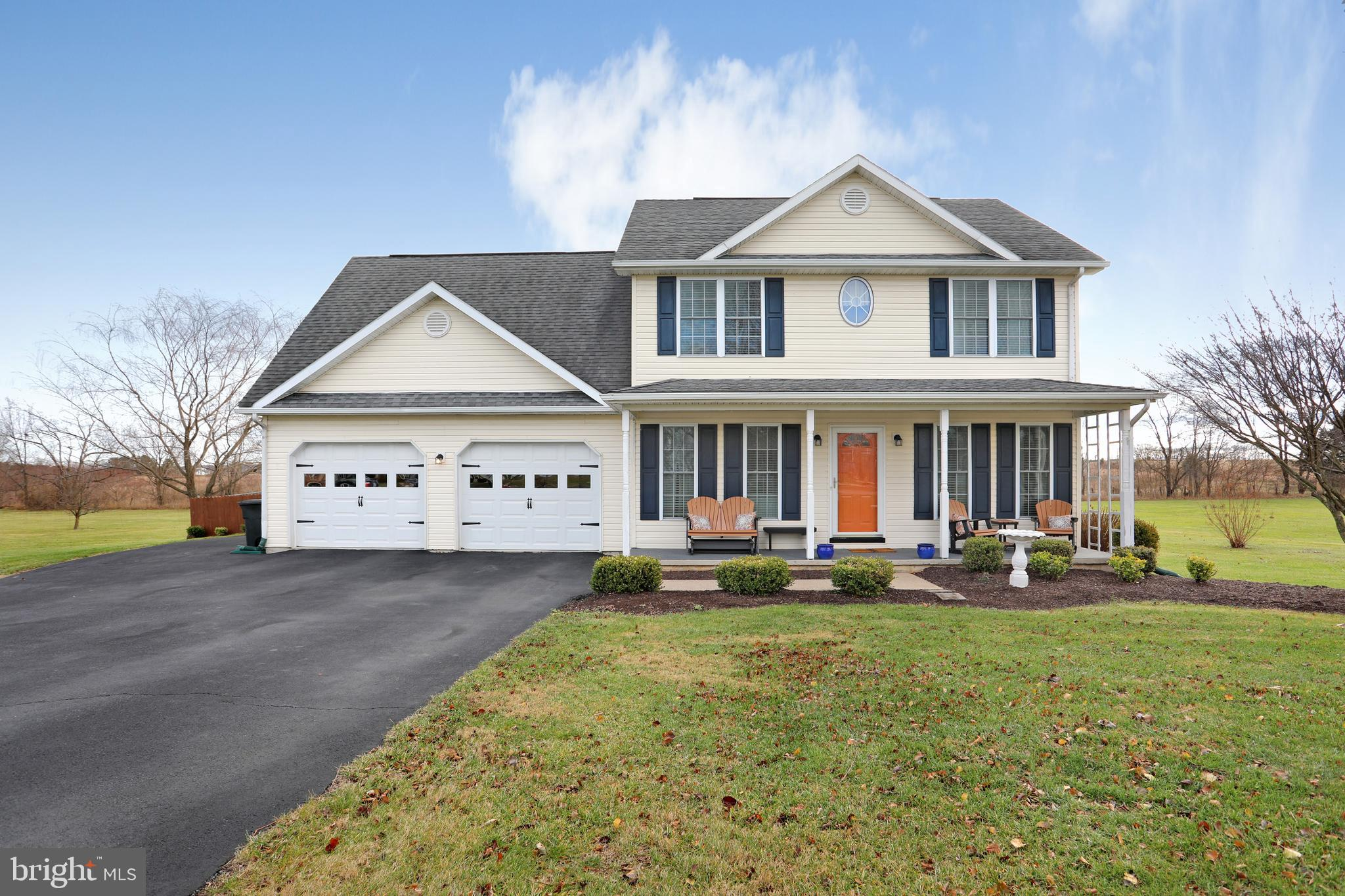 Beautiful 3 Bedroom 2.5 Bath Colonial Home in the well desired neighborhood of Scenic View Estates.