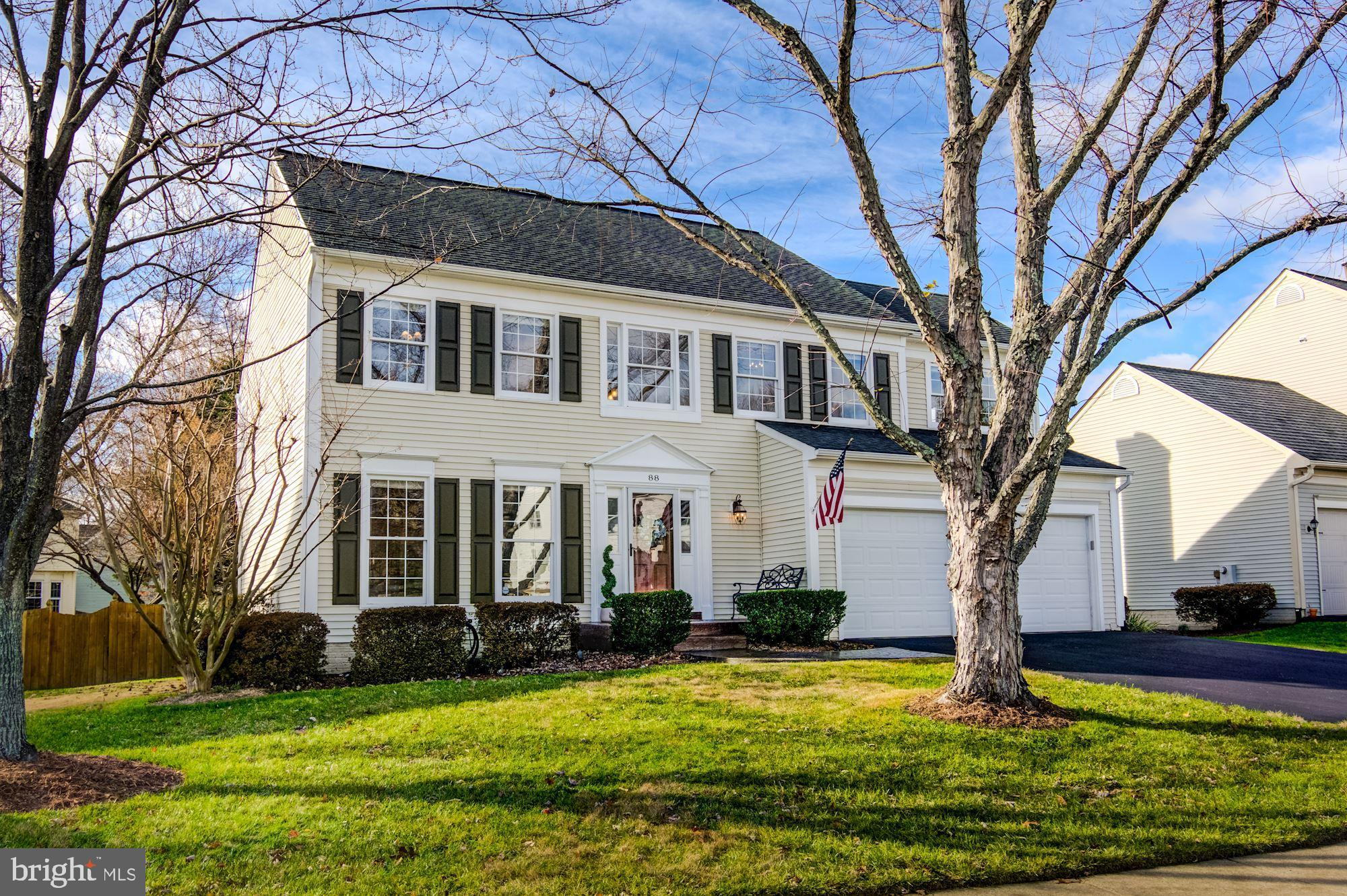You will find ATTENTION TO DETAIL throughout this absolutely stunning colonial!  Get ready to FALL I