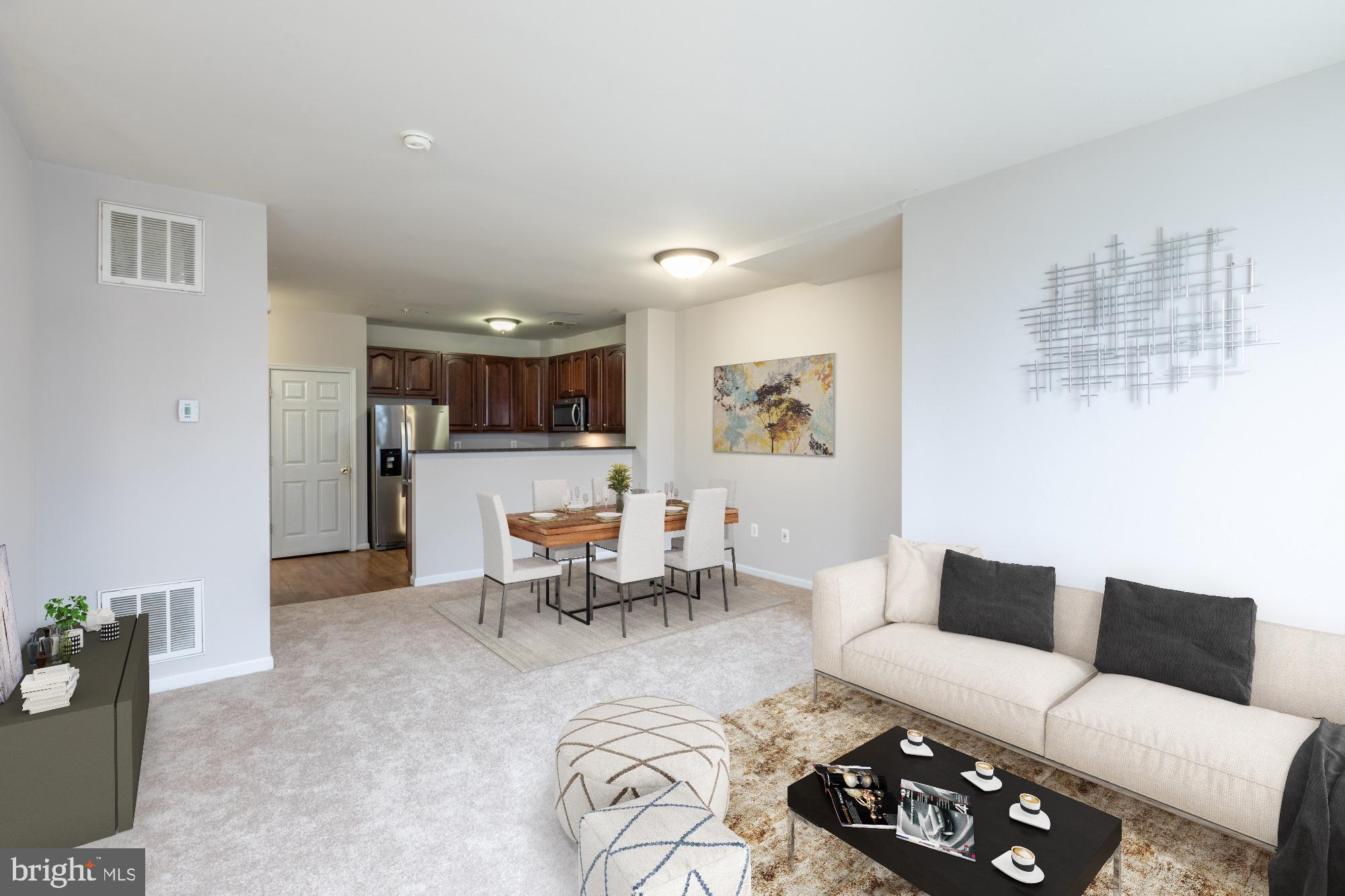 Beautiful end unit townhouse style condo in Woodbridge! It has 3 spacious bedrooms, 2.5 bathrooms an