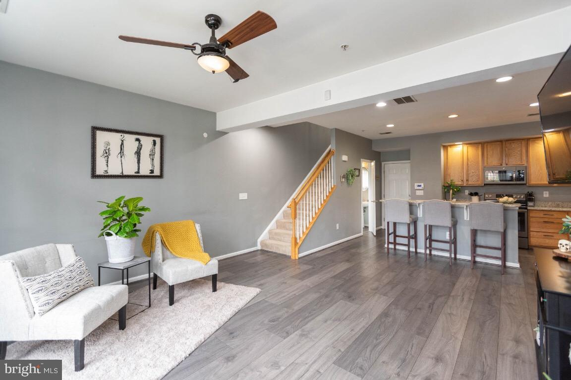Don~t miss out on this first level,  end unit, 3 bedroom 2.5 bath townhouse. Spacious living room /