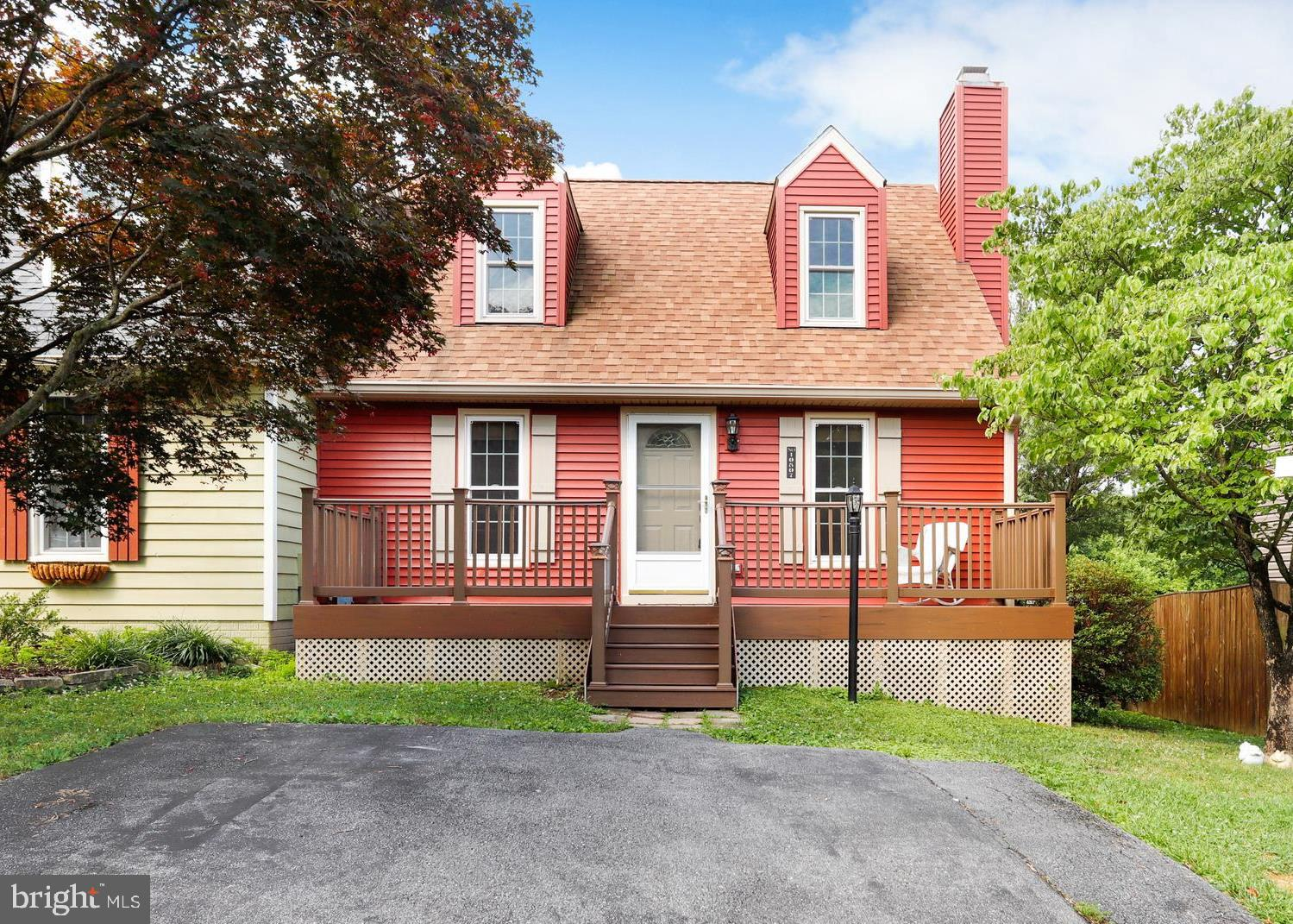 Charming, Warm and Welcoming home located in sought after Lake Linganore! USDA eligible in Oakdale S