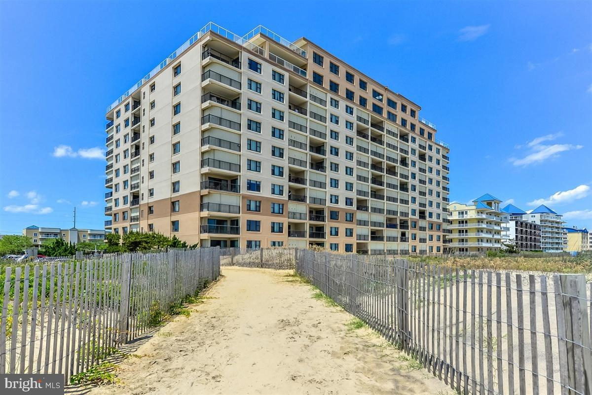 Great 7Th Floor, Fantastic Ocean Views, Faces South 2 BR 2 BA, Just Steps From The Ocean, # 701 Sand