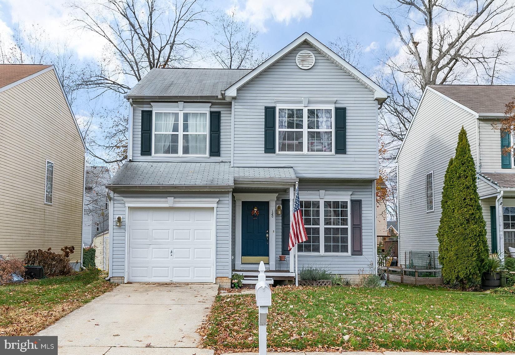 Charming and inviting colonial in Grande View with room to entertain indoors and out. Light filled o