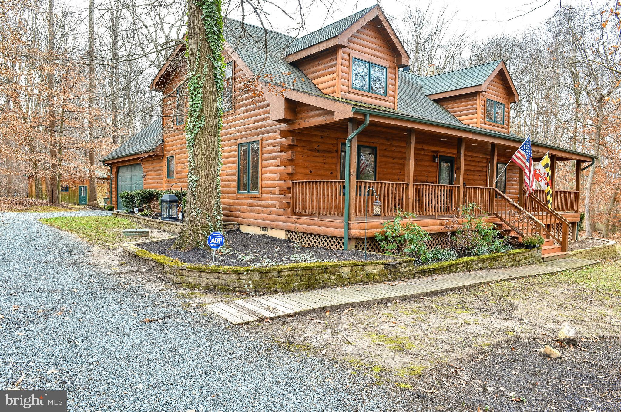 QUALITY BUILT SIMPSON LOG HOME WITH 2100+- SQ. FT. OF LIVING SPACE ON PRIVATE 4.44 ACRES. COUNTRY FR