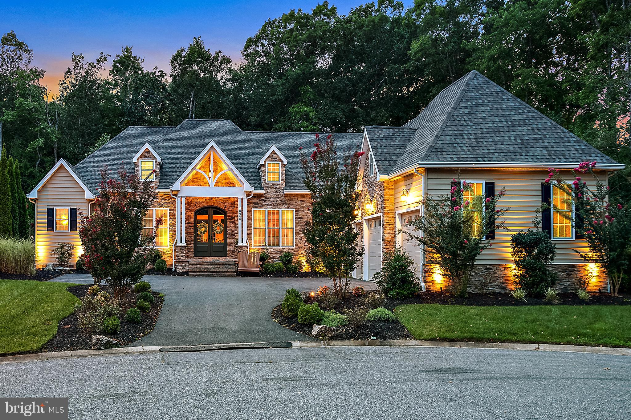 Stunning custom built home in desirable Bay Point Plantation. This community is surrounded by a 142