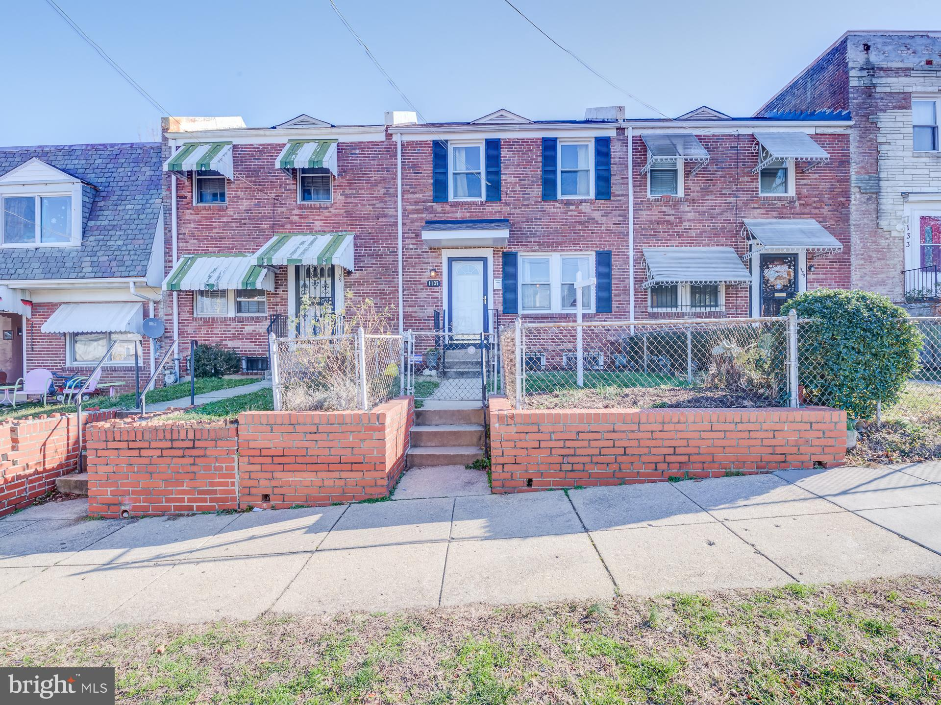 Open Jan 26 1-3pm! Rare 3 level home in Carver Langston! Lovingly taken care of with charm and chara