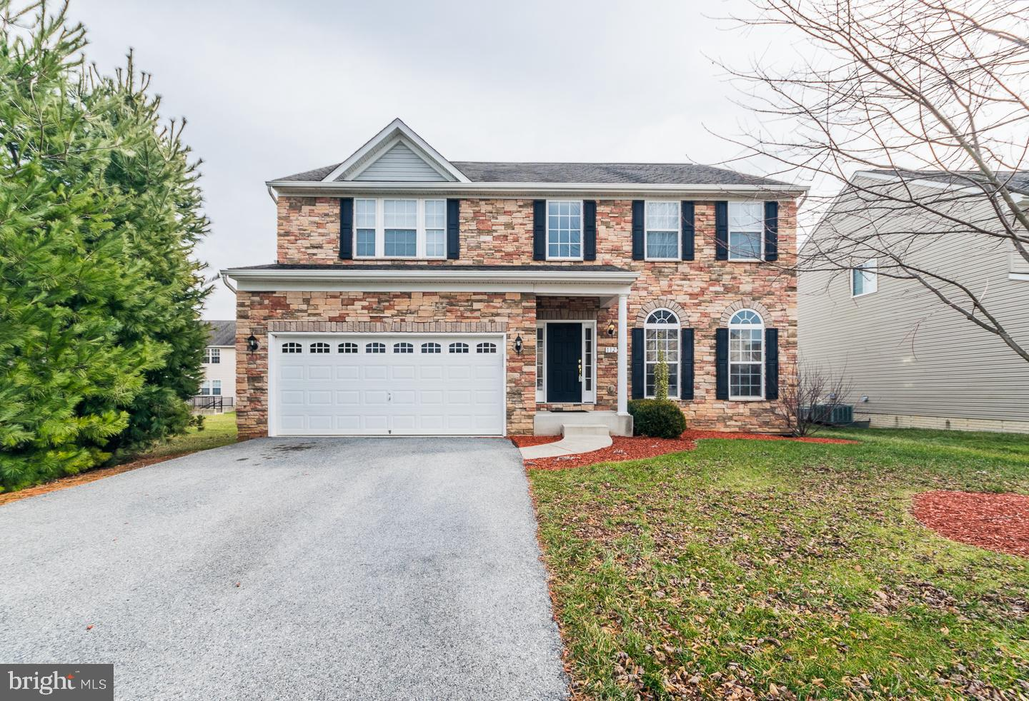 Why build when all you have to do is bring your things?   This 4 BR, 3.5 BA meticulously maintained