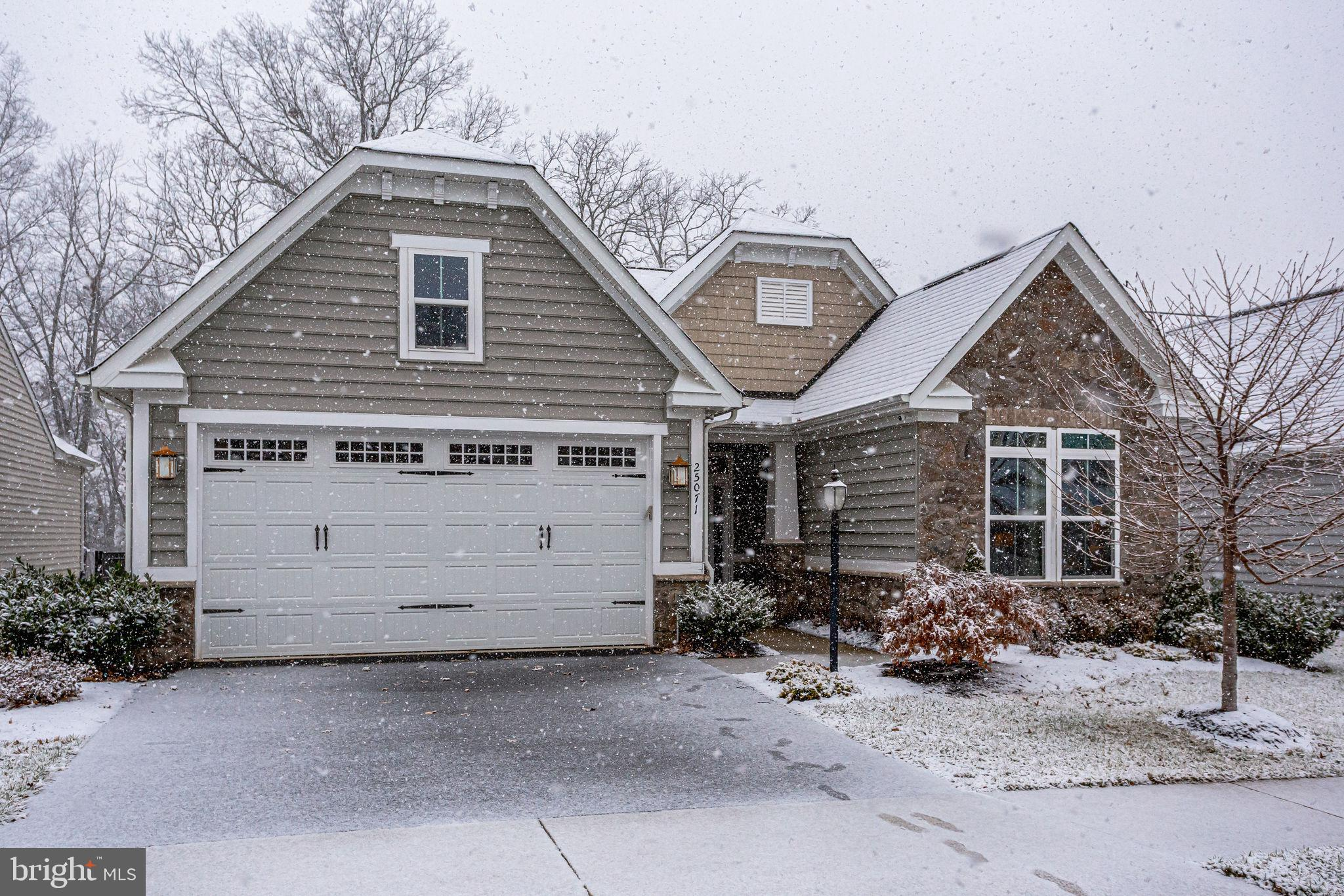 Welcome to the picture-perfect home of the winter wonderland! The home features  open layout with 3