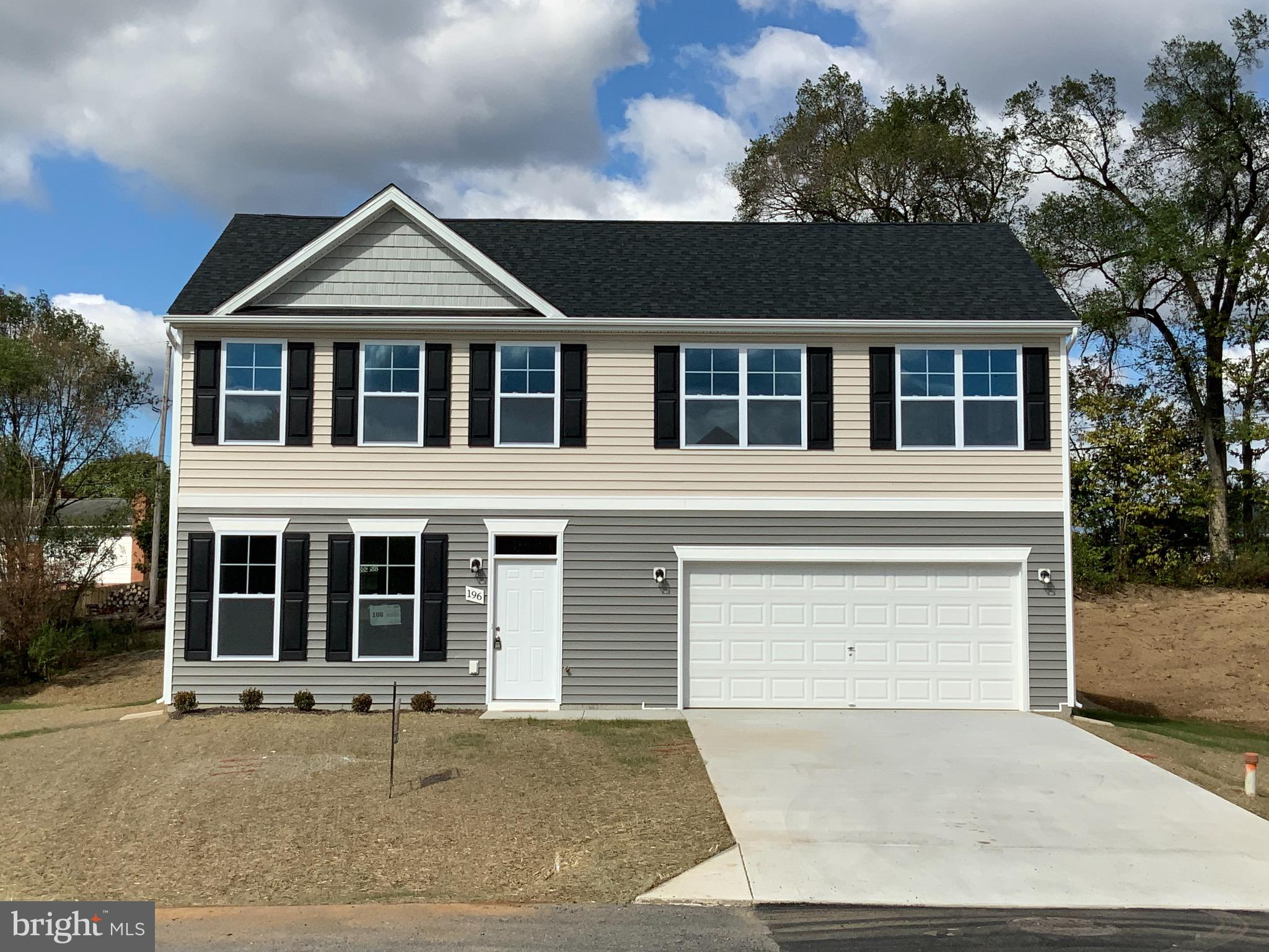 BUILDER WILL PAY UP TO $7500 TOWARDS CLOSING COST ON THIS FOUR BEDROOMS NEW COLONIAL HOME WITH GRANI