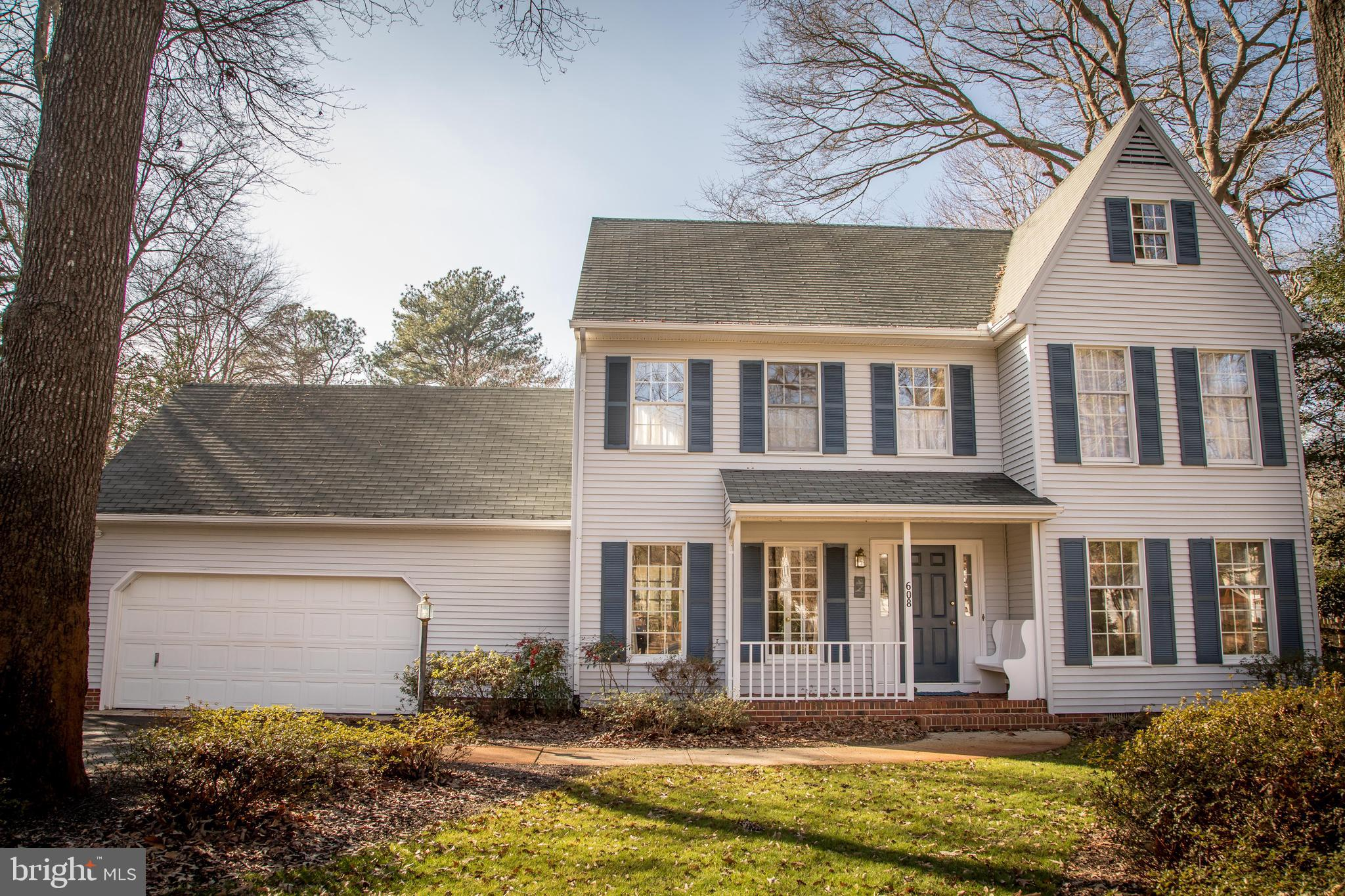 Open House!! Sunday, January 26th, 12:00 - 2:00pm!! Take a look at this beautiful 3 bedroom, 2.5 bat