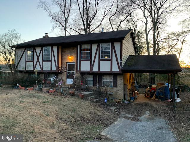 Wonderful Waterfront Community!  This  Solid Home needs to be Updated and Rehabbed.  It's priced agg