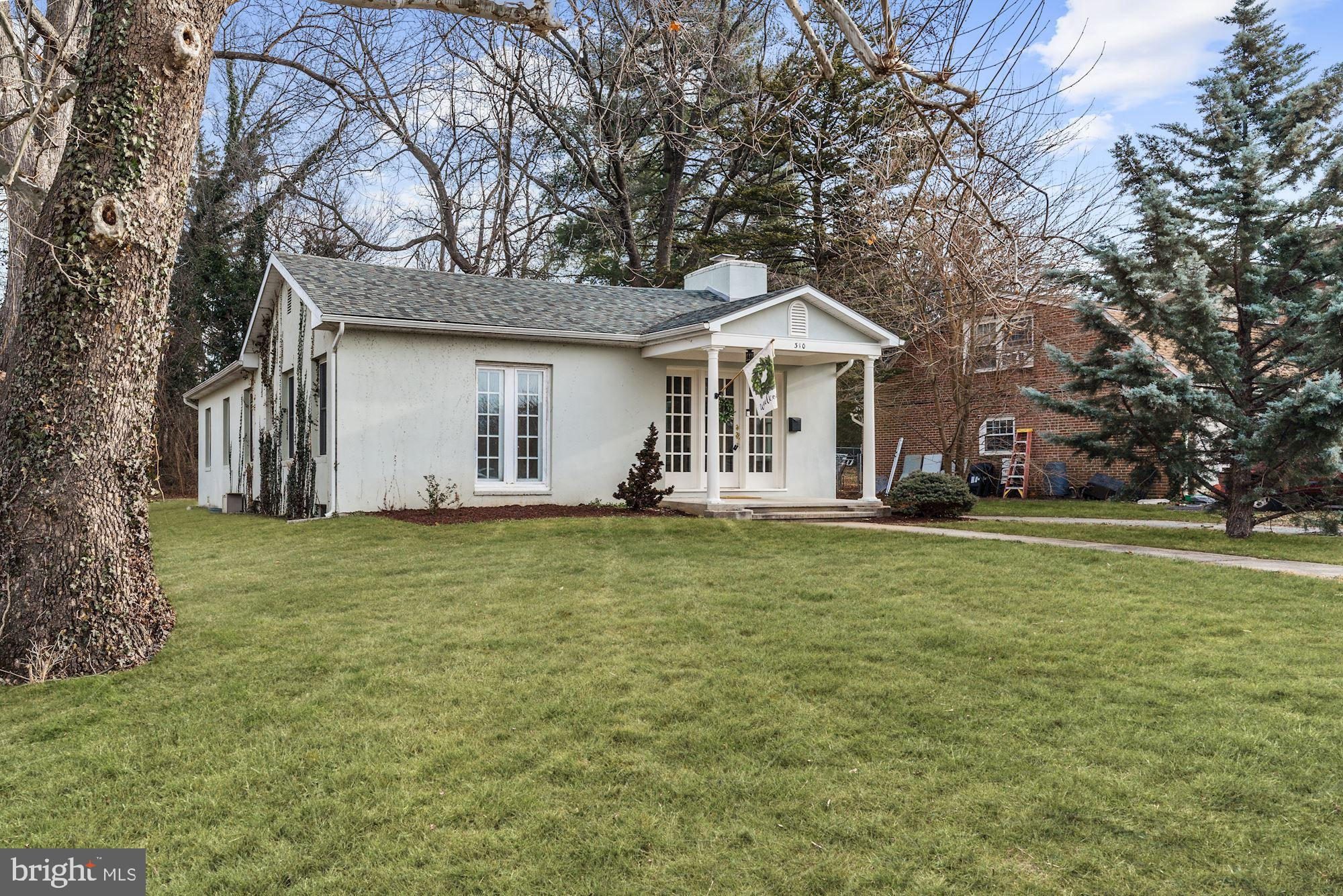 Located in the town of Berryville this 3 bedroom, 2 bath classic mid-century house has been lovingly