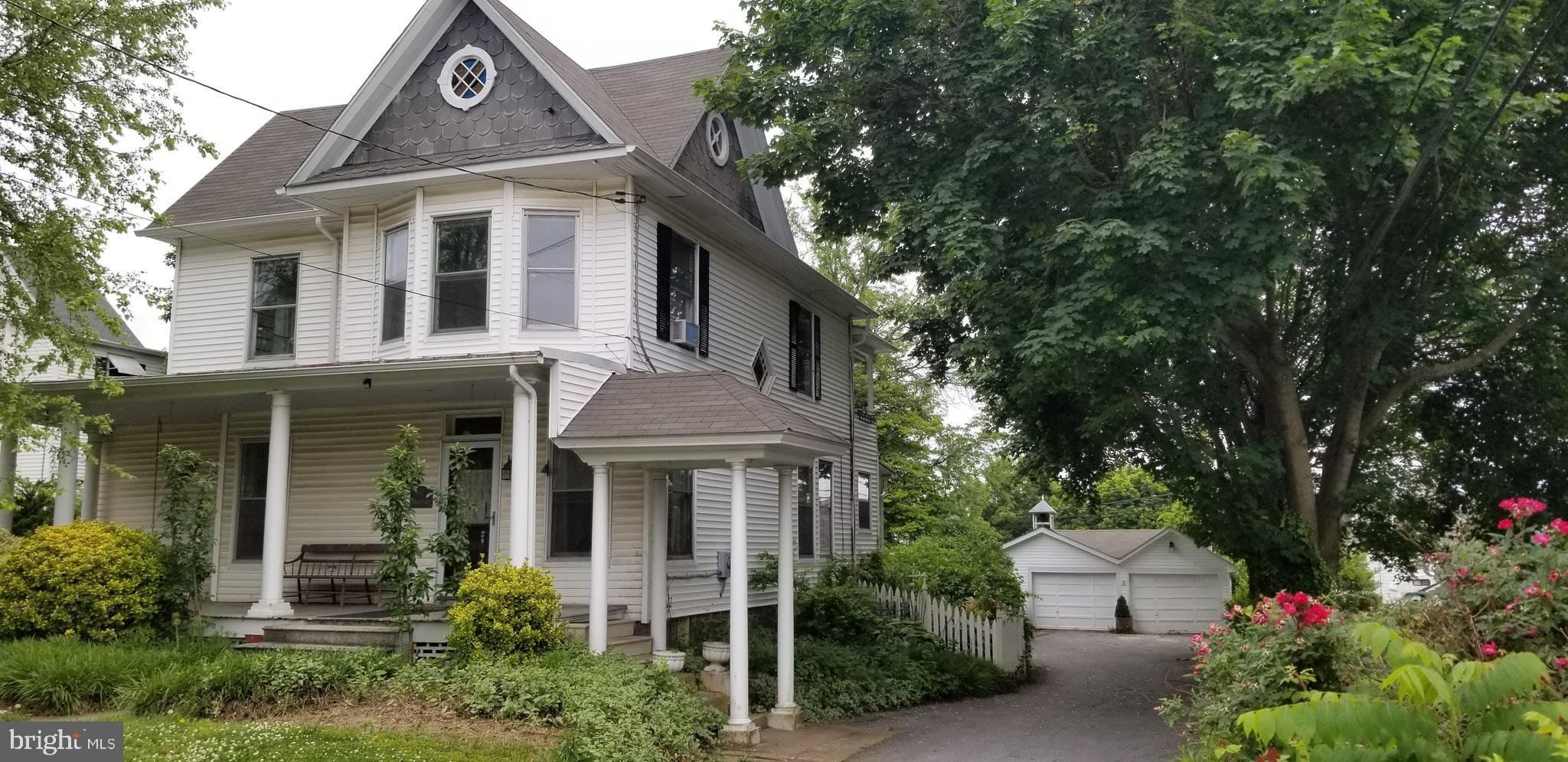 ## INCREDIBLE HOME PRICED TO STEAL!! BANK APPROVED PRICE!   MOTIVATED SELLER! AMAZING OPPORTUNITY TO