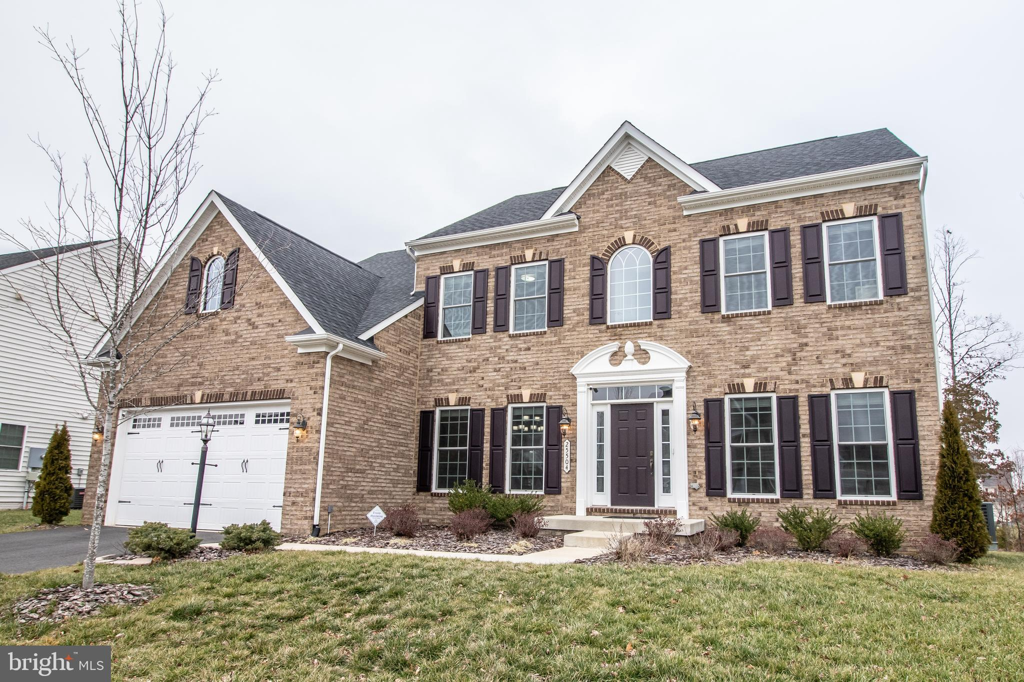 Welcome to 25504 Emerson Oaks Drive.  This gorgeous brick front home is MOVE IN READY! The main floo