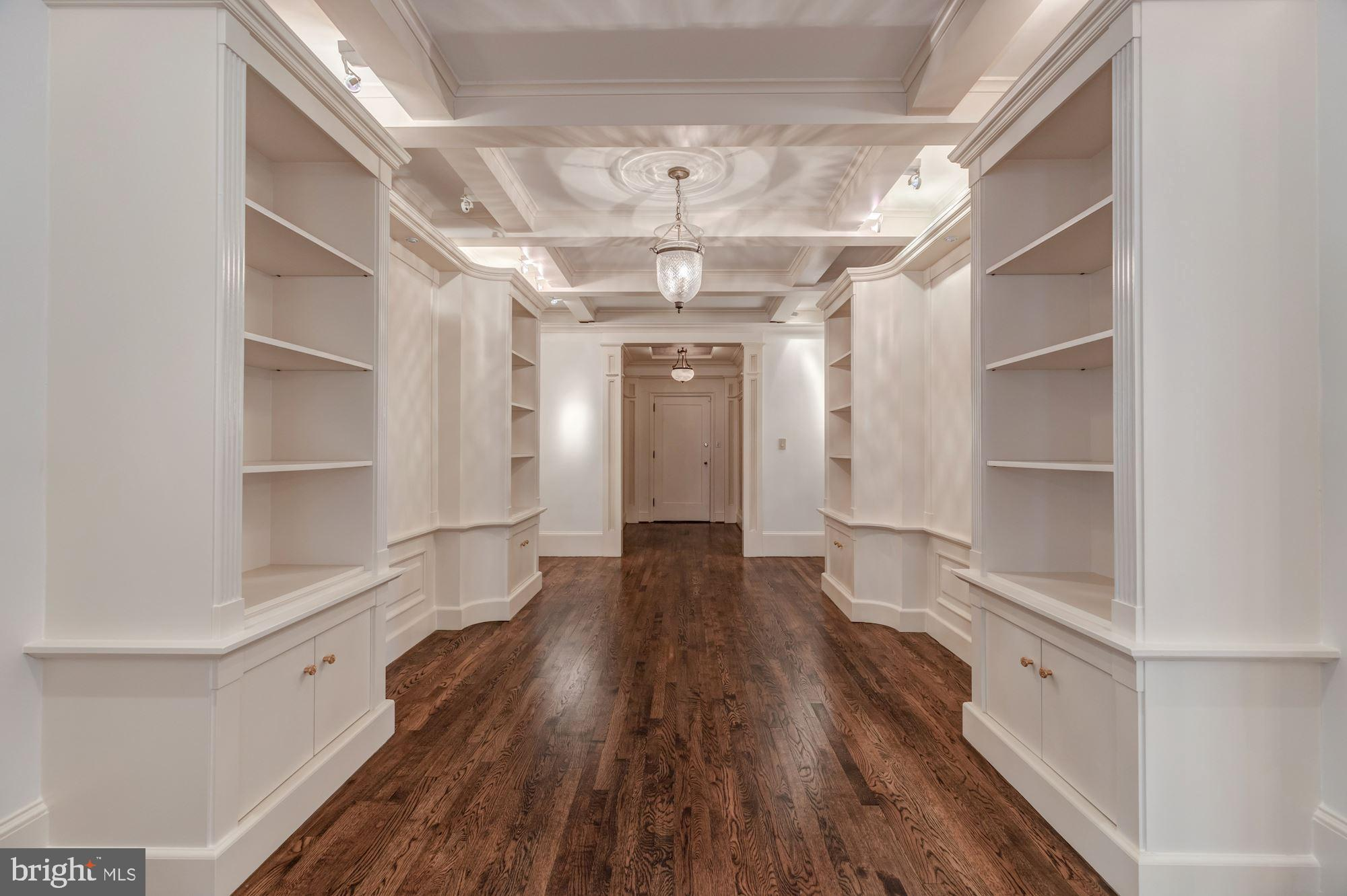 """This elegant and sun-filled 2BR/2.5BA, """"5th Avenue style"""" co-op at 2101 Connecticut Avenue boasts a"""