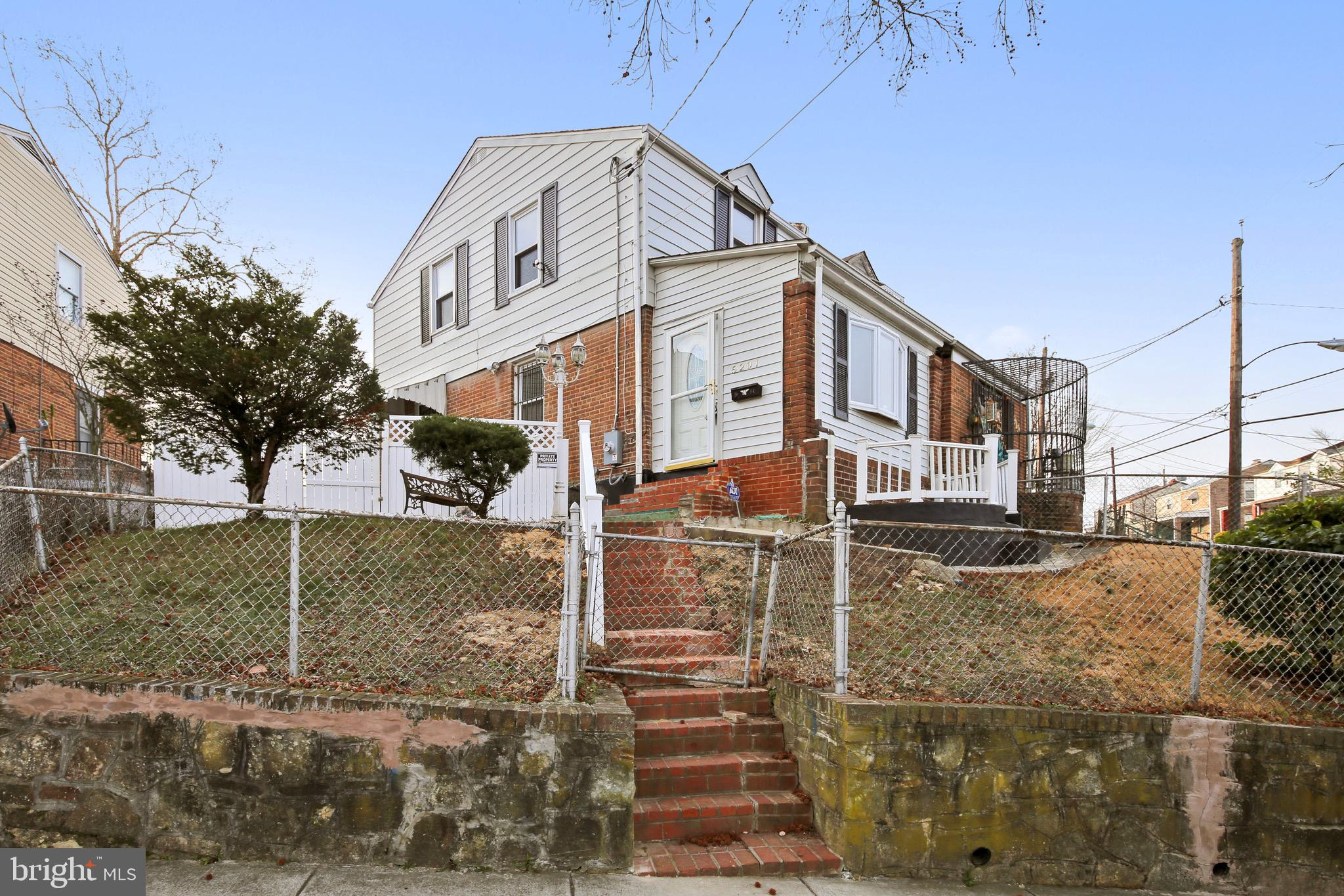 This charming 2 bedroom 2 bath Deanwood home awaits a new owner.  Beautiful hard wood flooring, fres