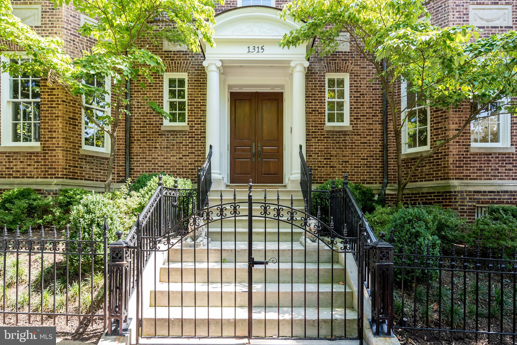 Completely detached - and one of only two houses on the block - this thoroughly and masterfully rest