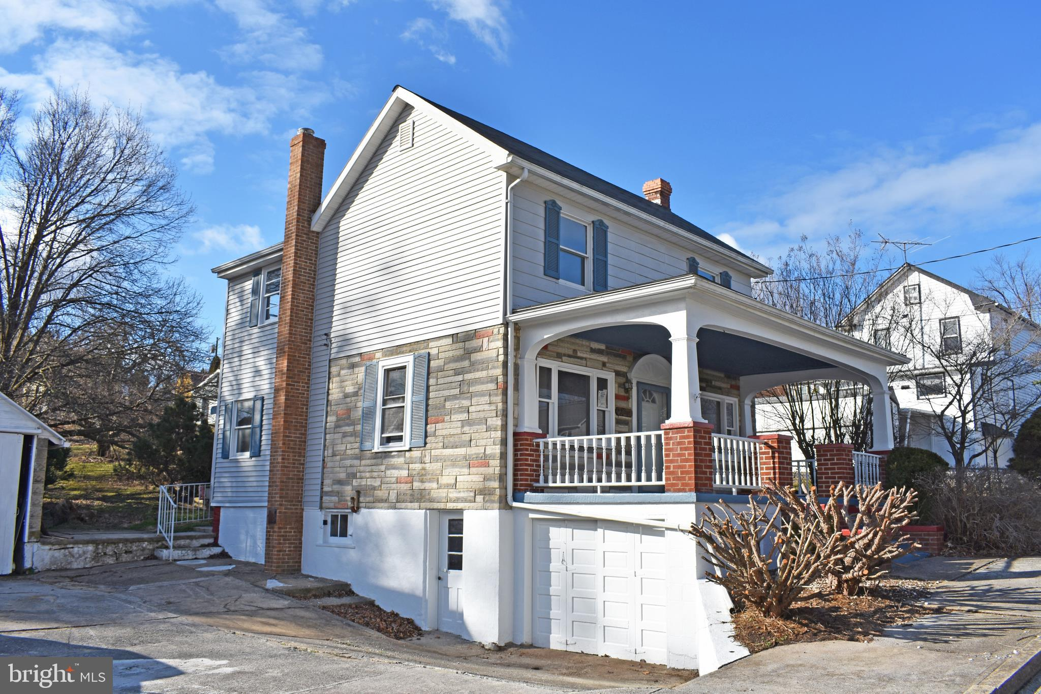 Remodeled 3 bedroom colonial style home located on a double lot within walking distance to the libra