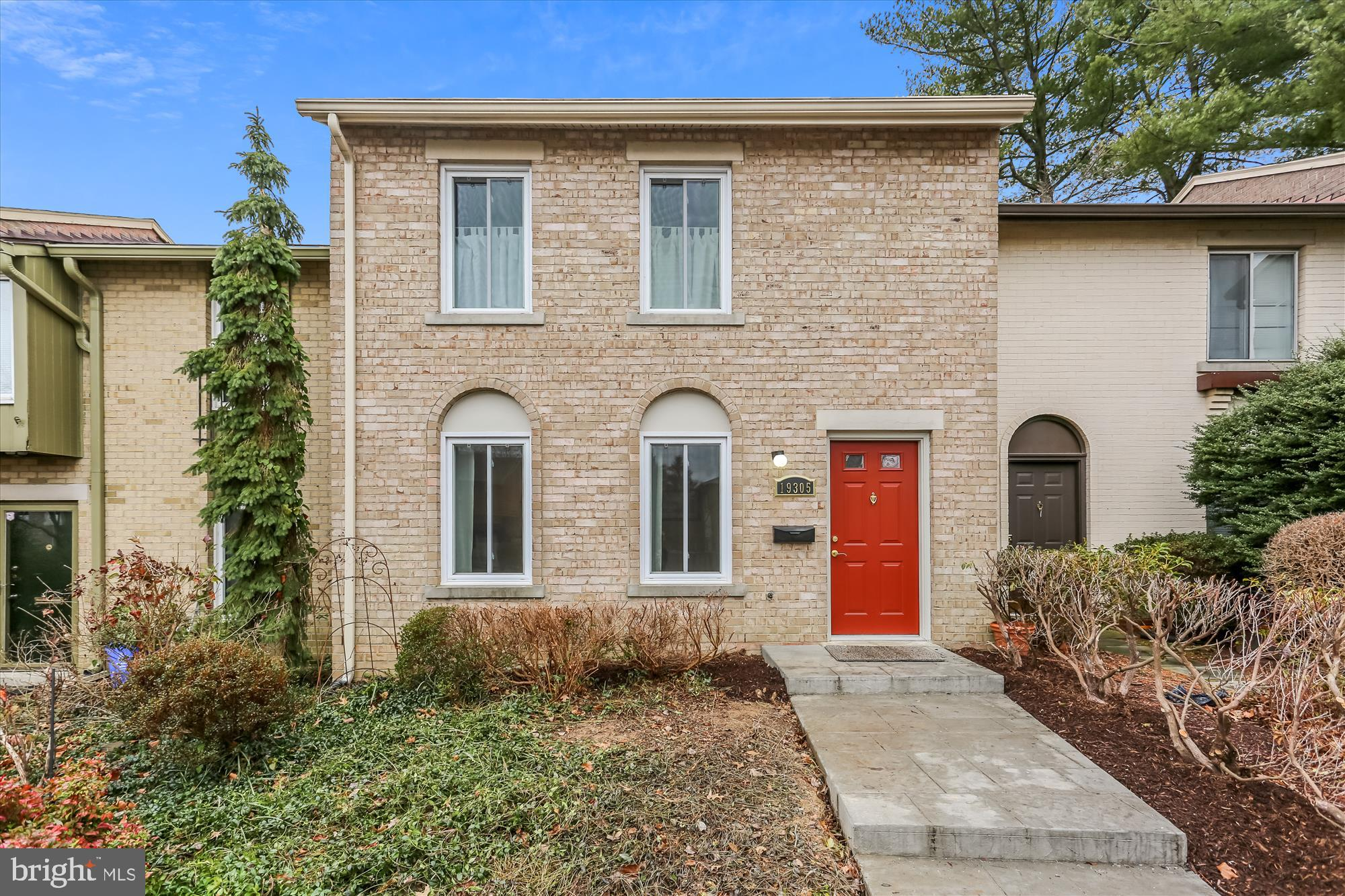Welcome to this light filled townhouse with good sized living and dining rooms as well as an updated
