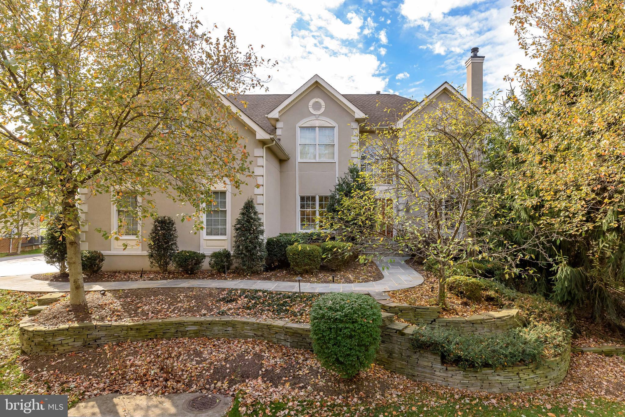 """Stunning 4 bedroom/4.5 bath home from the """"Executives Collection"""" with 3 car side-load garage in Bel"""