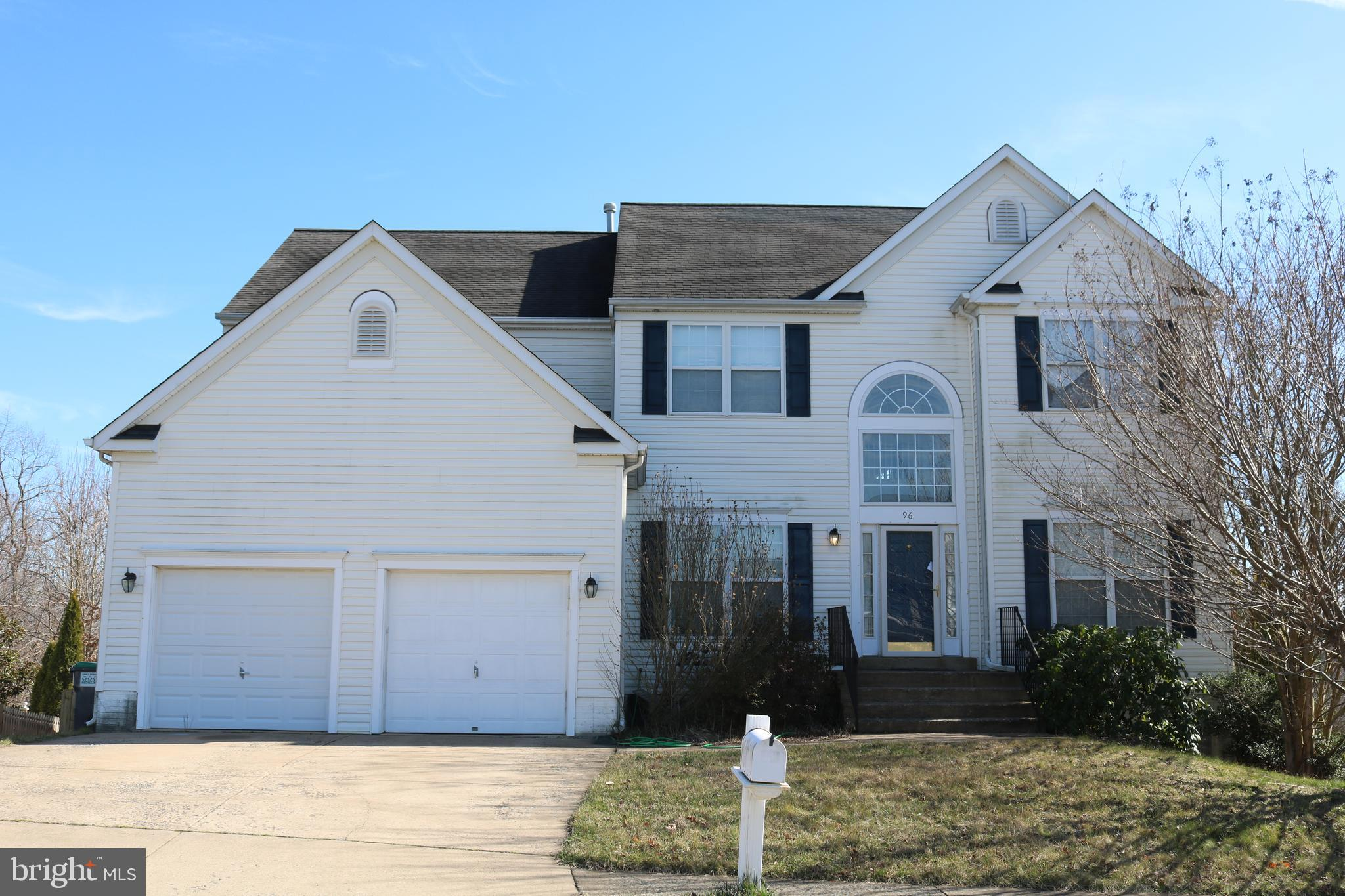 Lot of room to grow into this spacious 5 bedroom 3.5 bath home! Spend time in the light and bright f