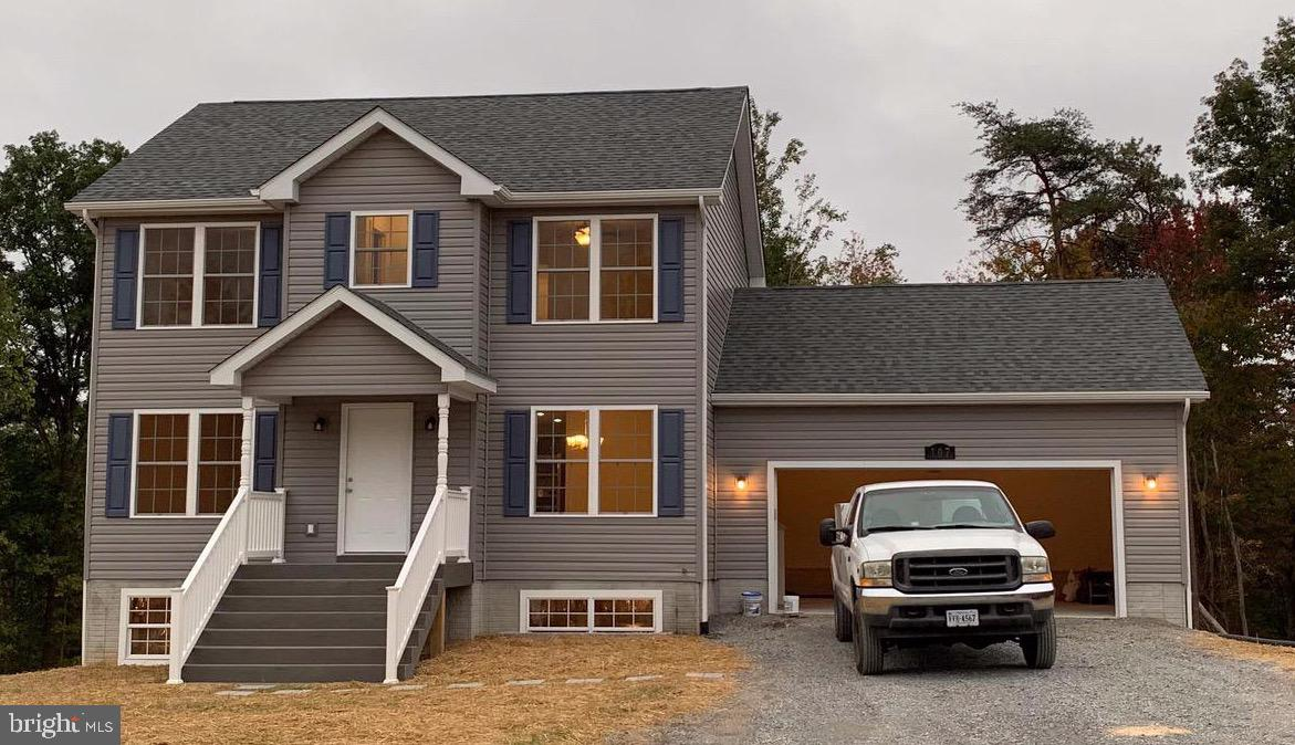 New Colonial home to be completed 120 day delivery from contract! Nice private street. 3 bed, 2.5 fu