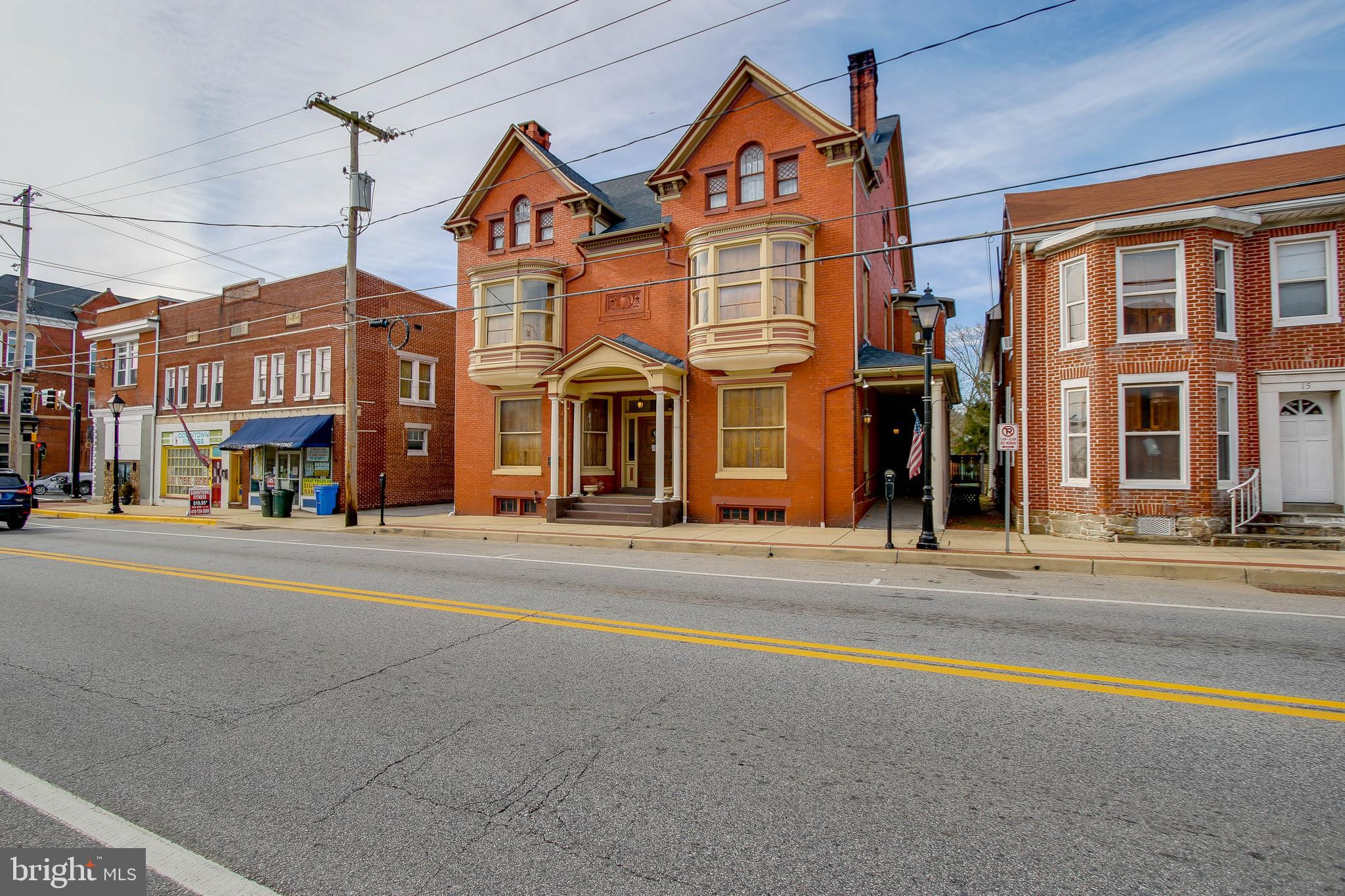 A Grand Old Colonial Revival Victorian beauty built in 1895 has a total of 7 bedrooms and 3 full bat