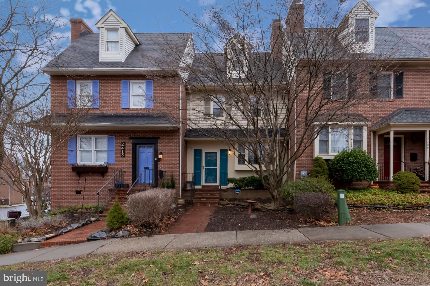 Classic and picture perfect 3-story in the heart of one of Wilmington's most charming and convenient