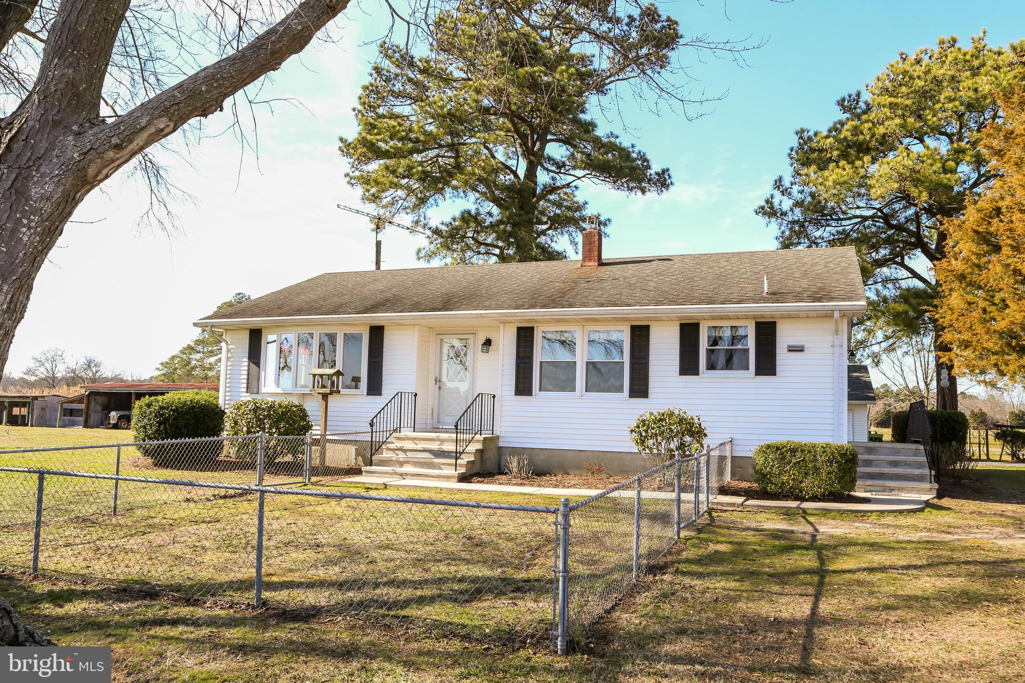 Renovated Rancher on the Wicomico River! You will fall in love with this charming 1,276 sq ft proper