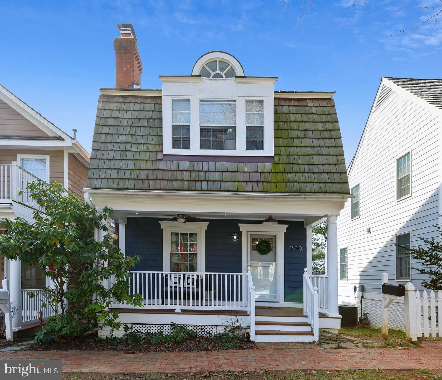 Gorgeous, fully updated, upgraded and renovated Kentlands home! This three bedroom, 2-full, 2-half b