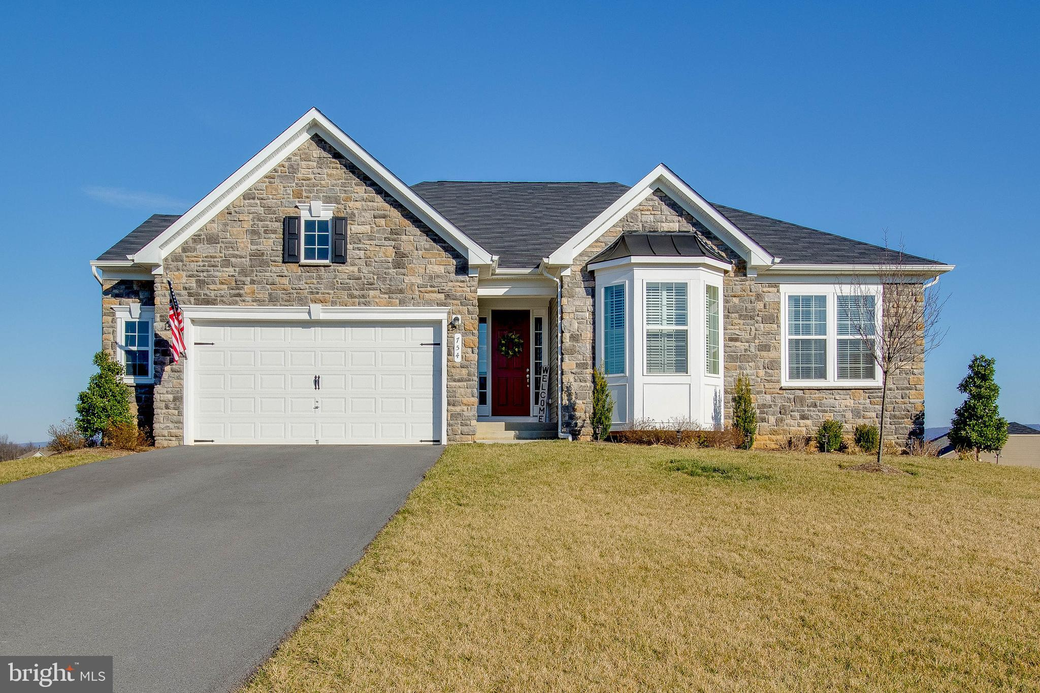 This beautiful home offers casual sophisticated living in Berryville with one level living and over