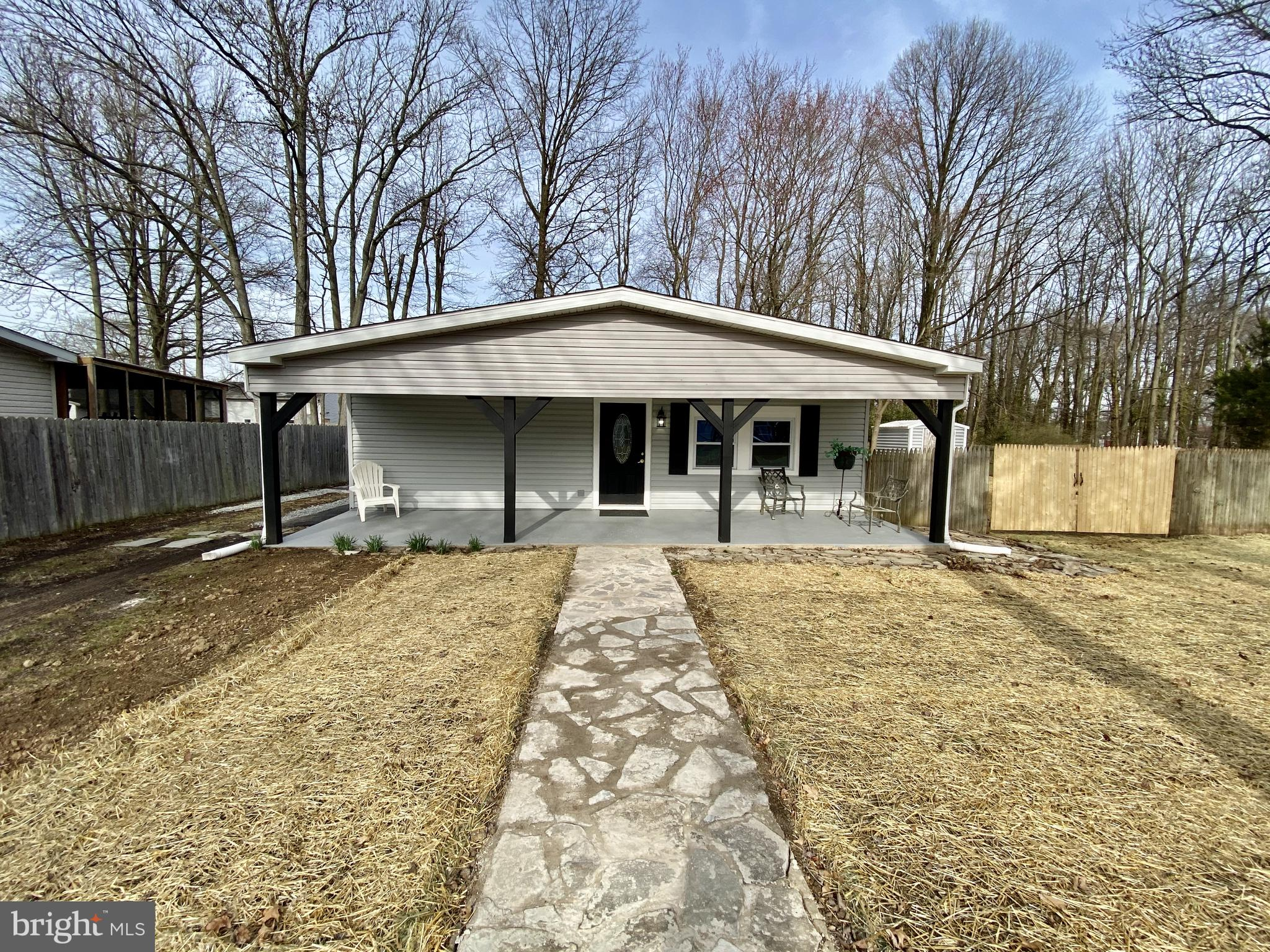Visit this home virtually: http://www.vht.com/434046195/IDXS - Enjoy one story living at its finest