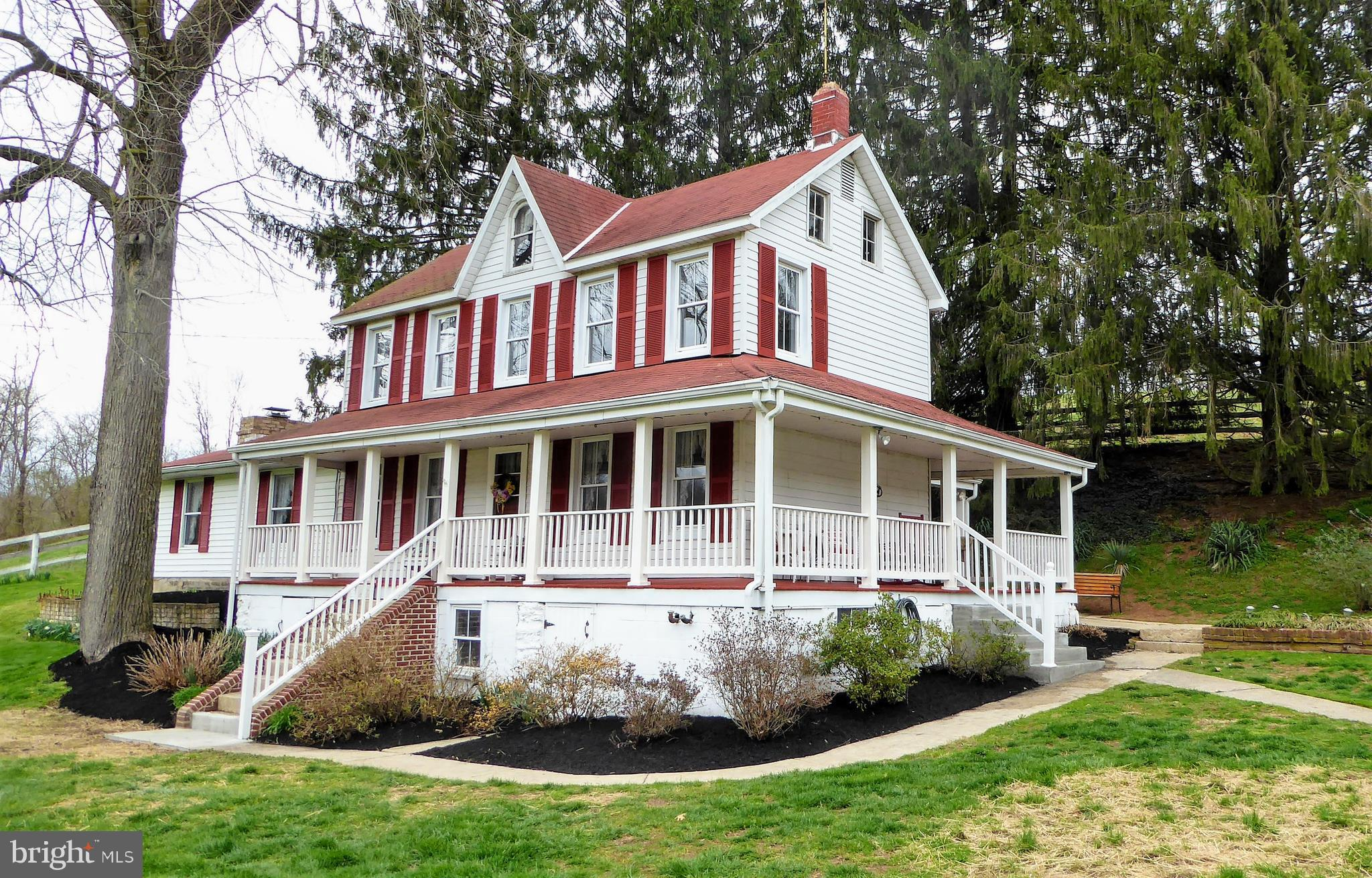 Come take a look at this lovely equestrian property.  The house is updated and offers a nice flowing