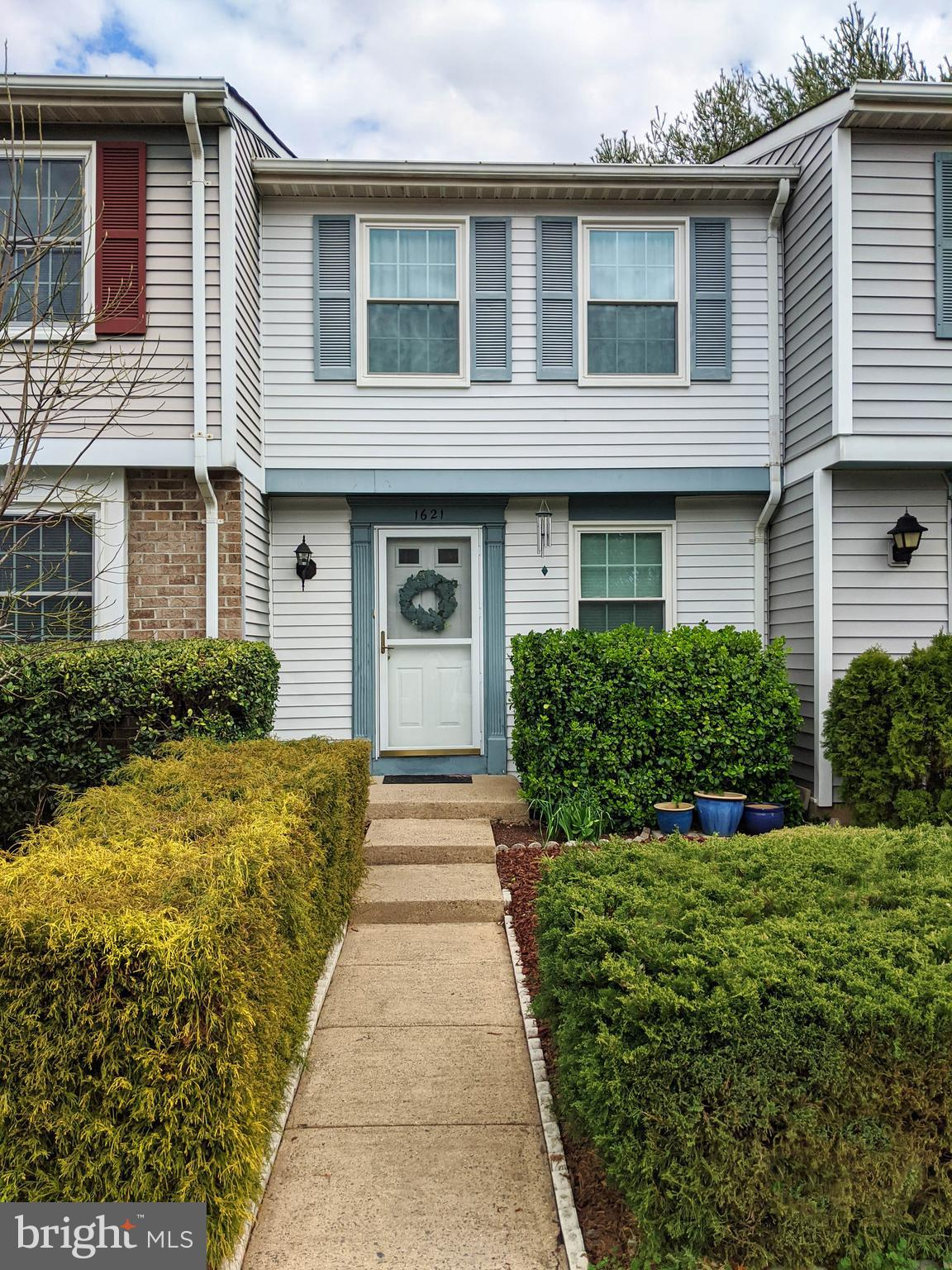 You will fall in love with this townhouse! With 3 Finished levels ~Updated Interior~New Stainless St