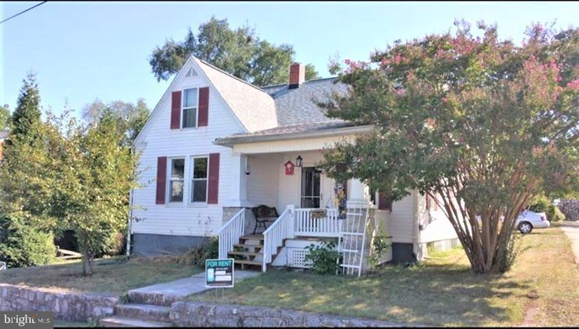 Conveniently located in the heart of Martinsburg, the home is located right around the corner from a
