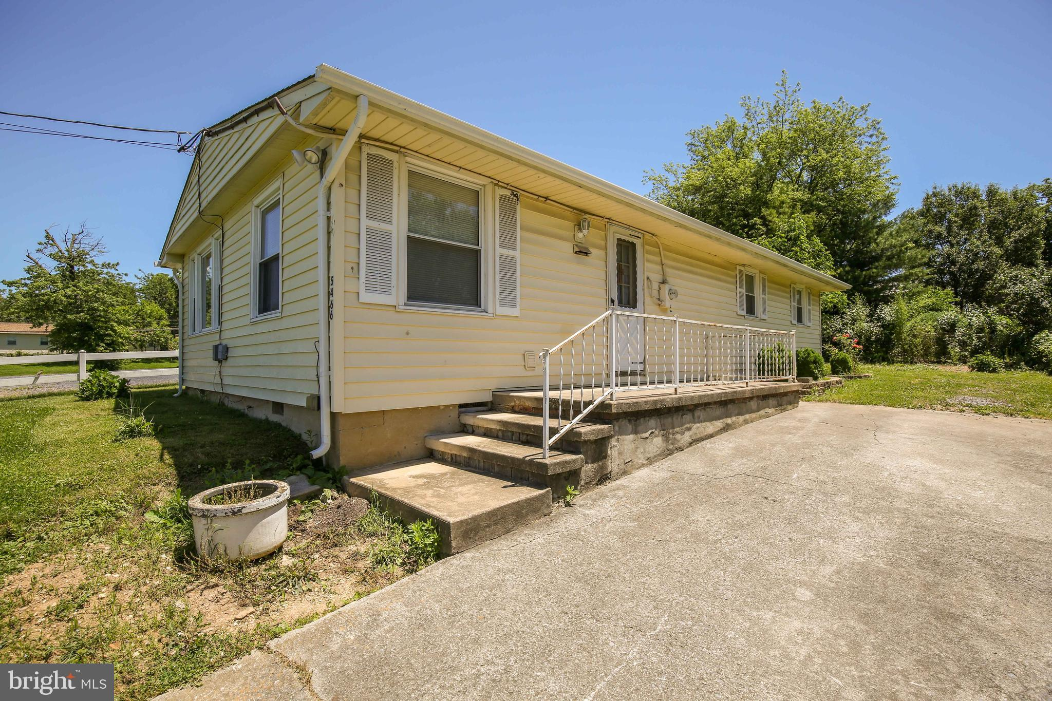 """Great location in Stephens City convenient to I81 ... Great investment property ... being sold """"As I"""