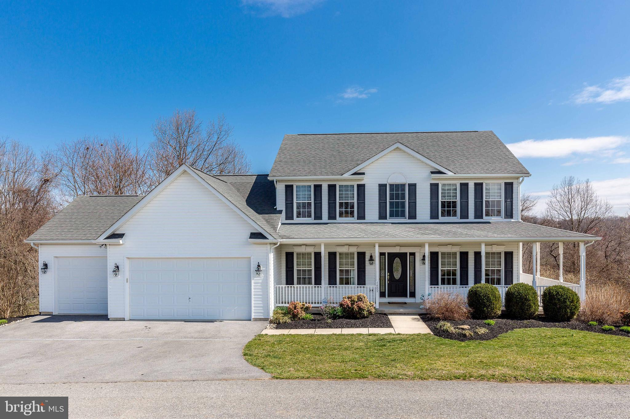 *Welcome to this Immaculate 5BR 3.5Bath, 3 car garage custom Colonial sitting atop 5 Private acres*E