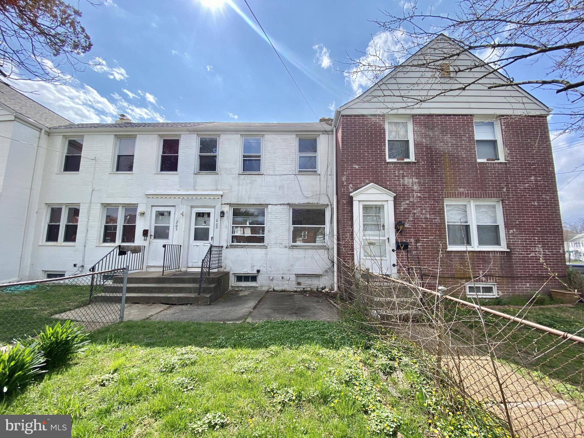 Visit this home virtually: http://www.vht.com/434052981/IDXS - This two-story brick row-home include