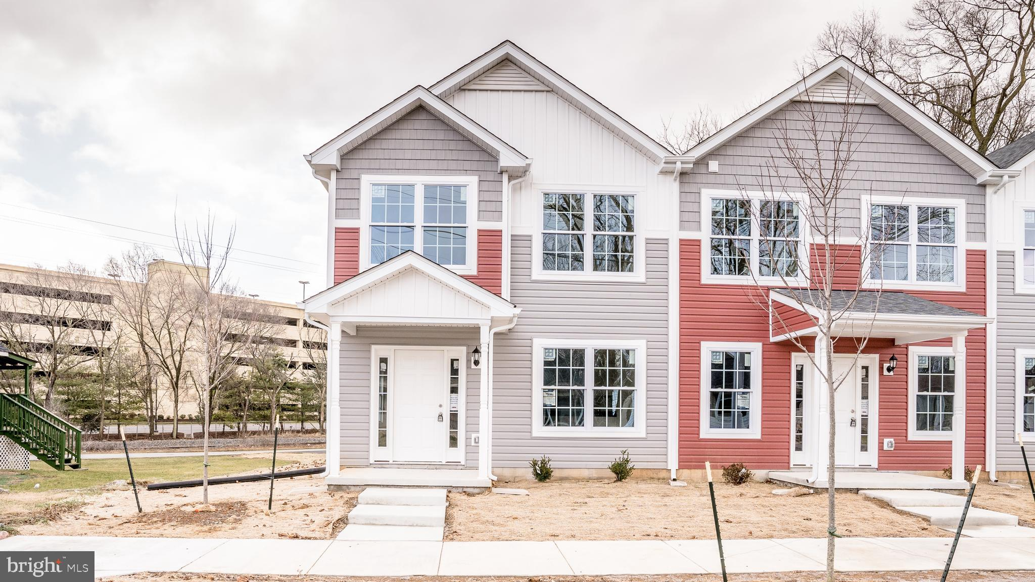 New End unit townhome/triplex that features 1663 sq foot, 3 Bedrooms, 2.5 Baths, and an over size 1
