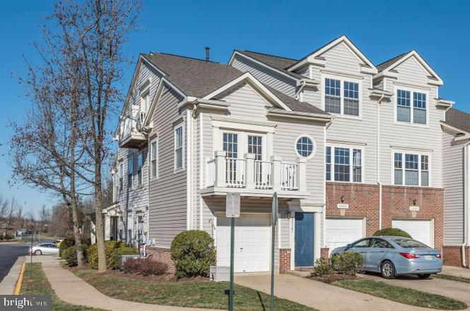 PRICED TO SELL!!!   Priced lower than comps for a quick sale!  GREAT FOR FIRST TIME HOME BUYERS AND